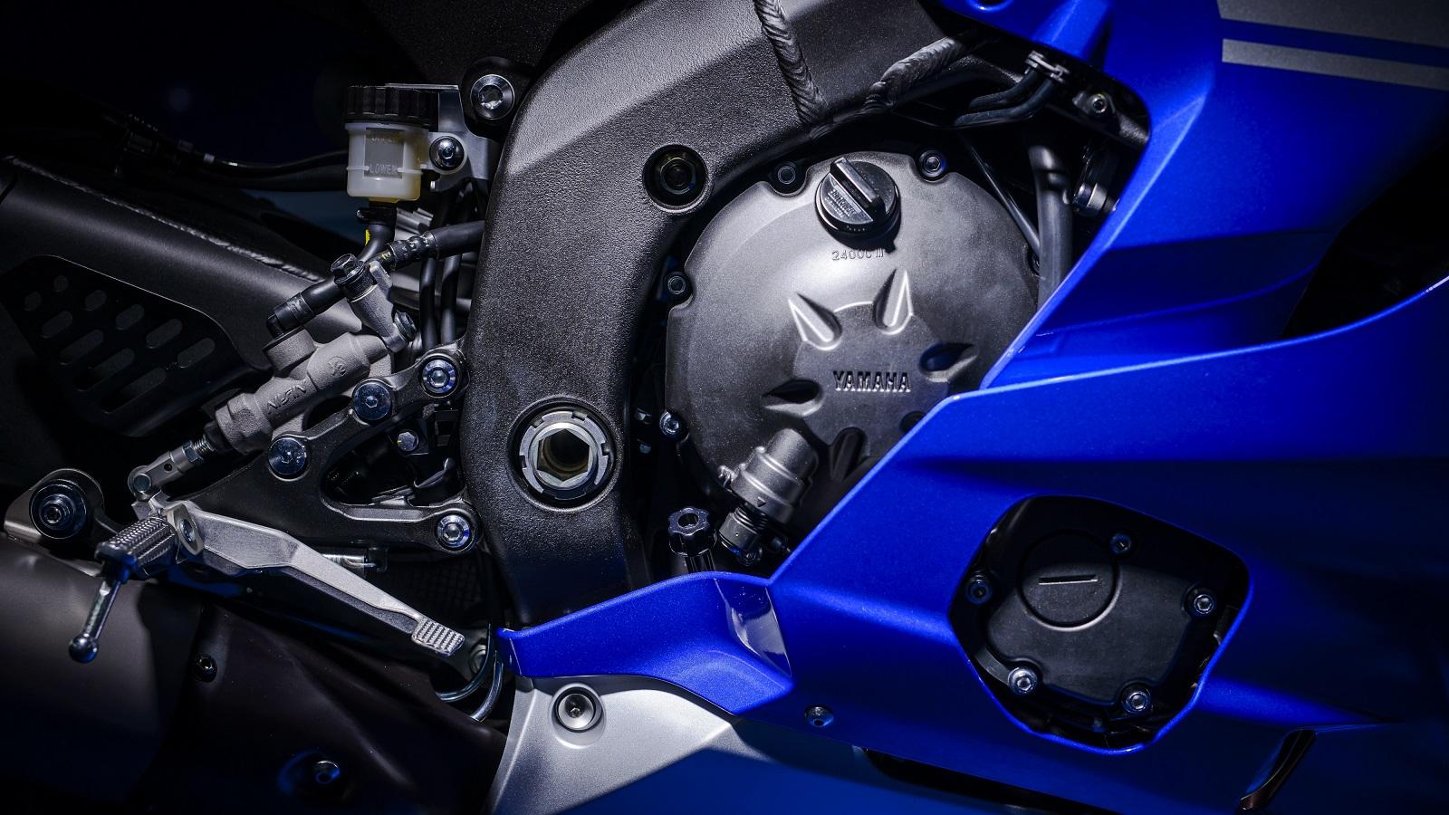 2017 Yamaha YZF-R6 engine