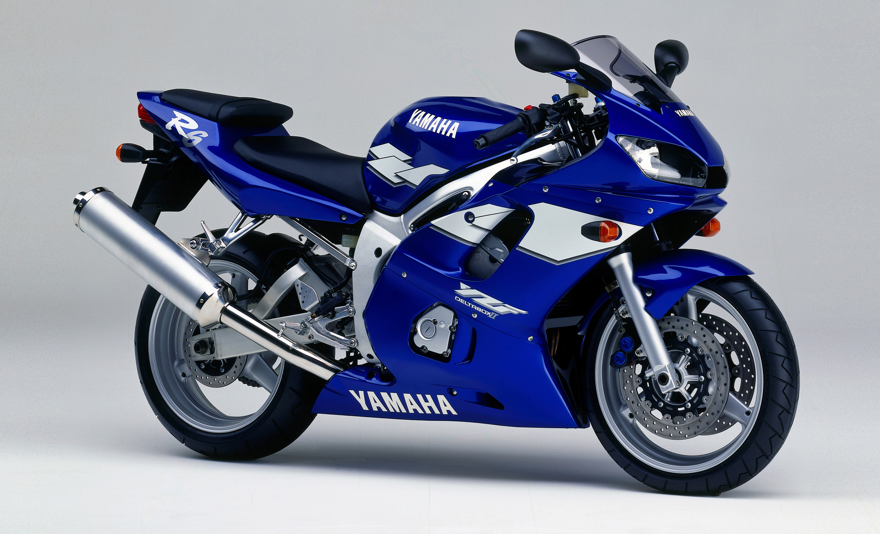 Yzf r6 1999 2002 review visordown for Yamaha r6 600 for sale