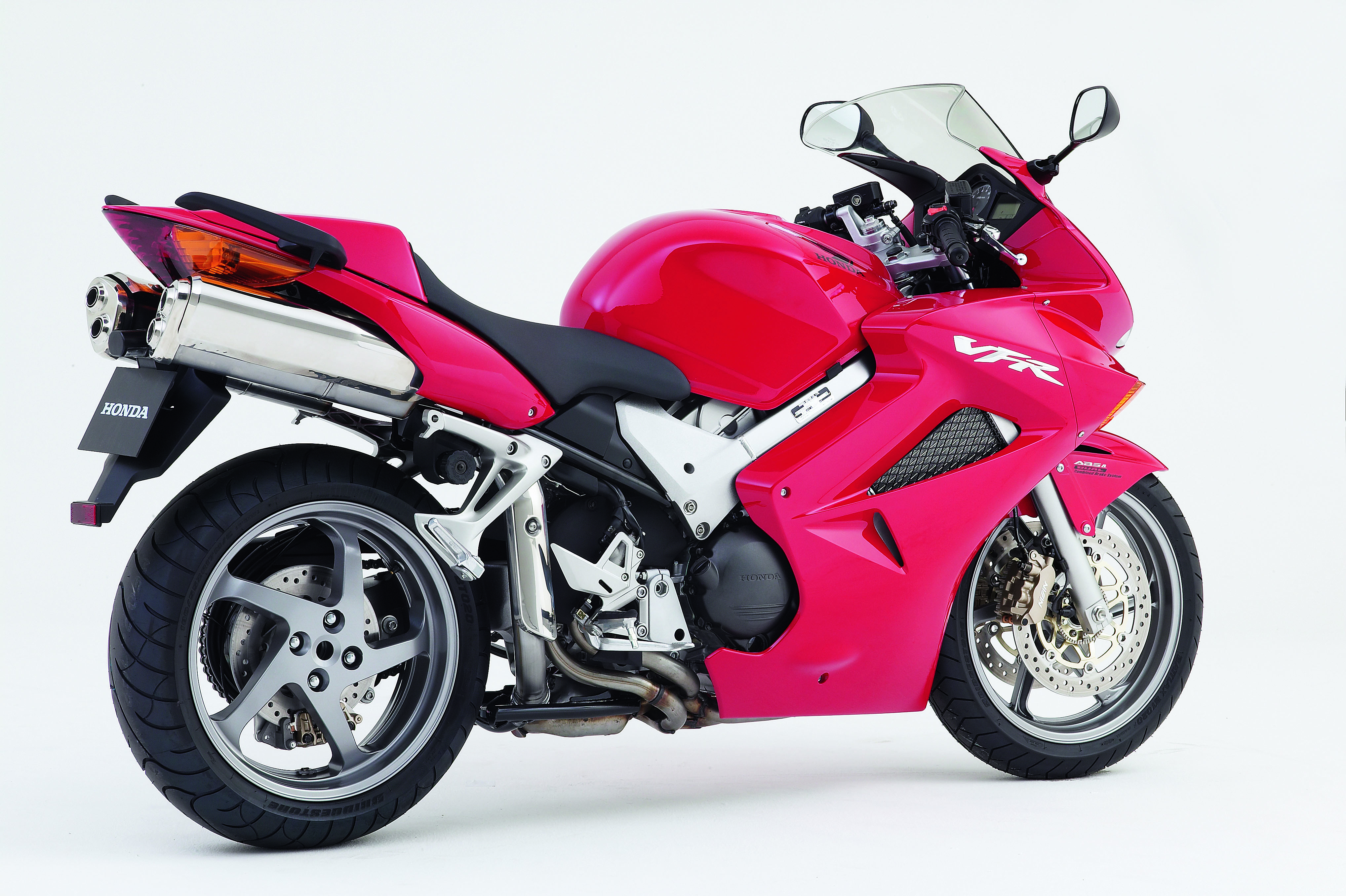 VFR800 VTEC (2002 - 2005) review | Visordown