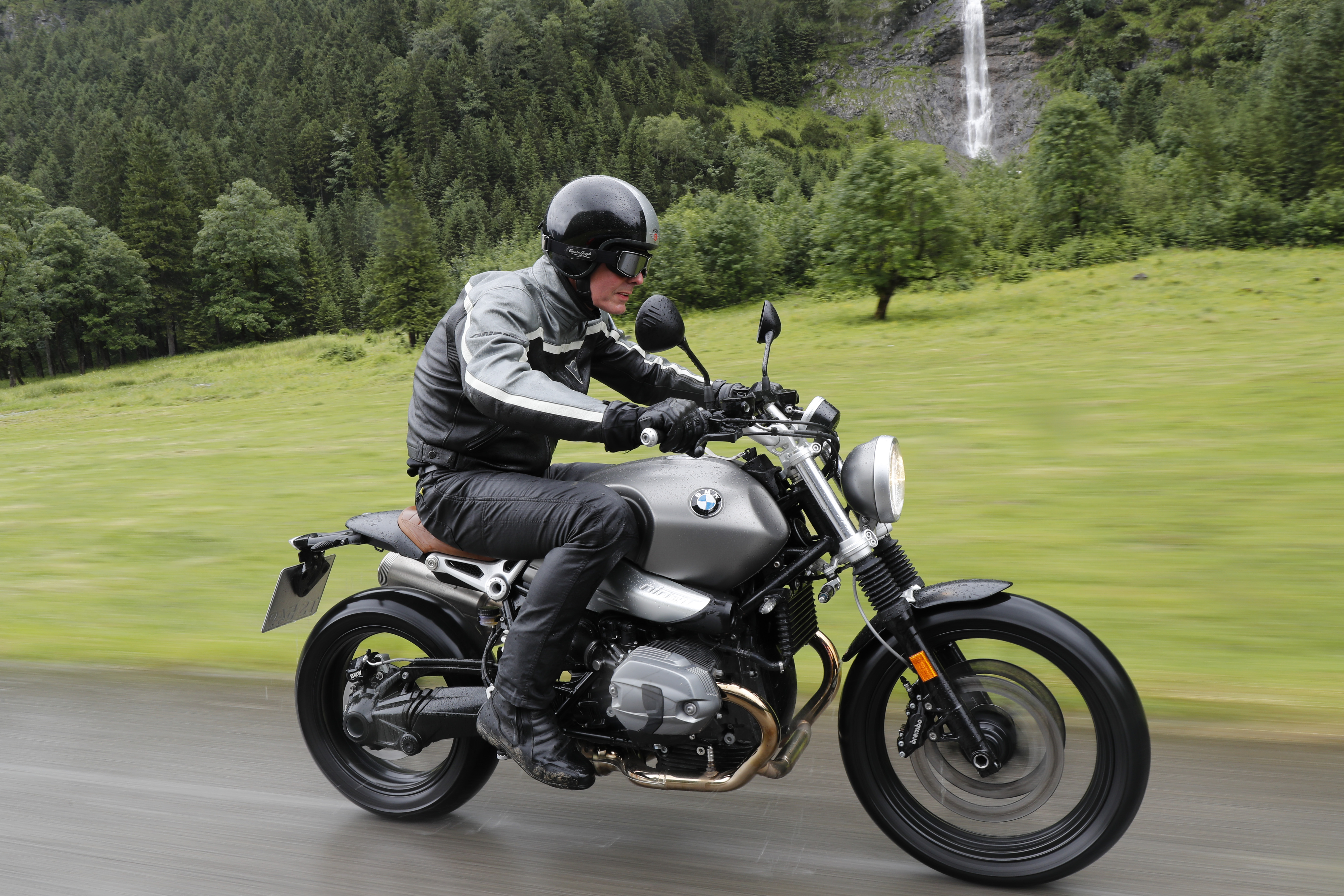 First Ride Bmw R Ninet Scrambler Review Visordown