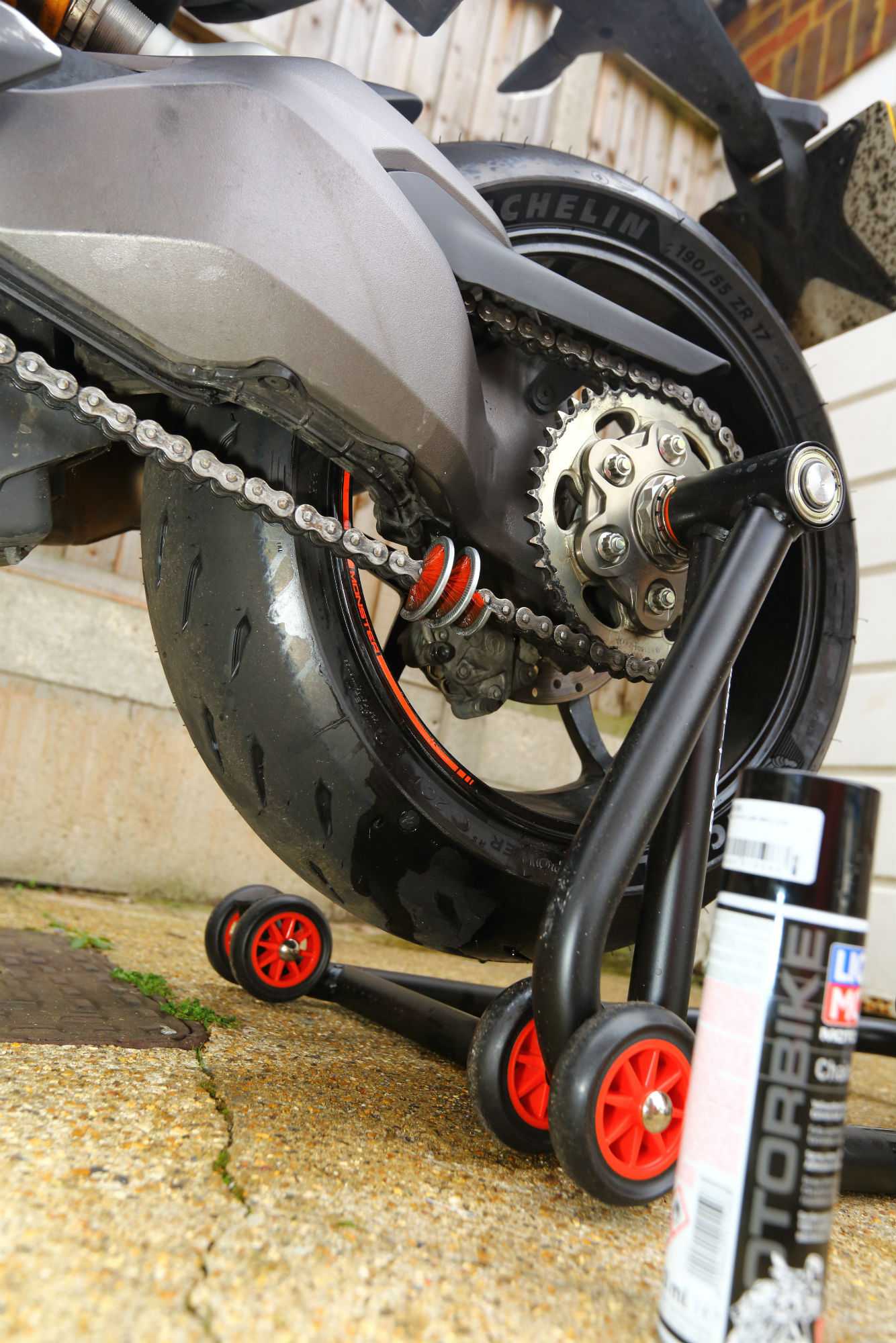 How to... Clean and lube your chain