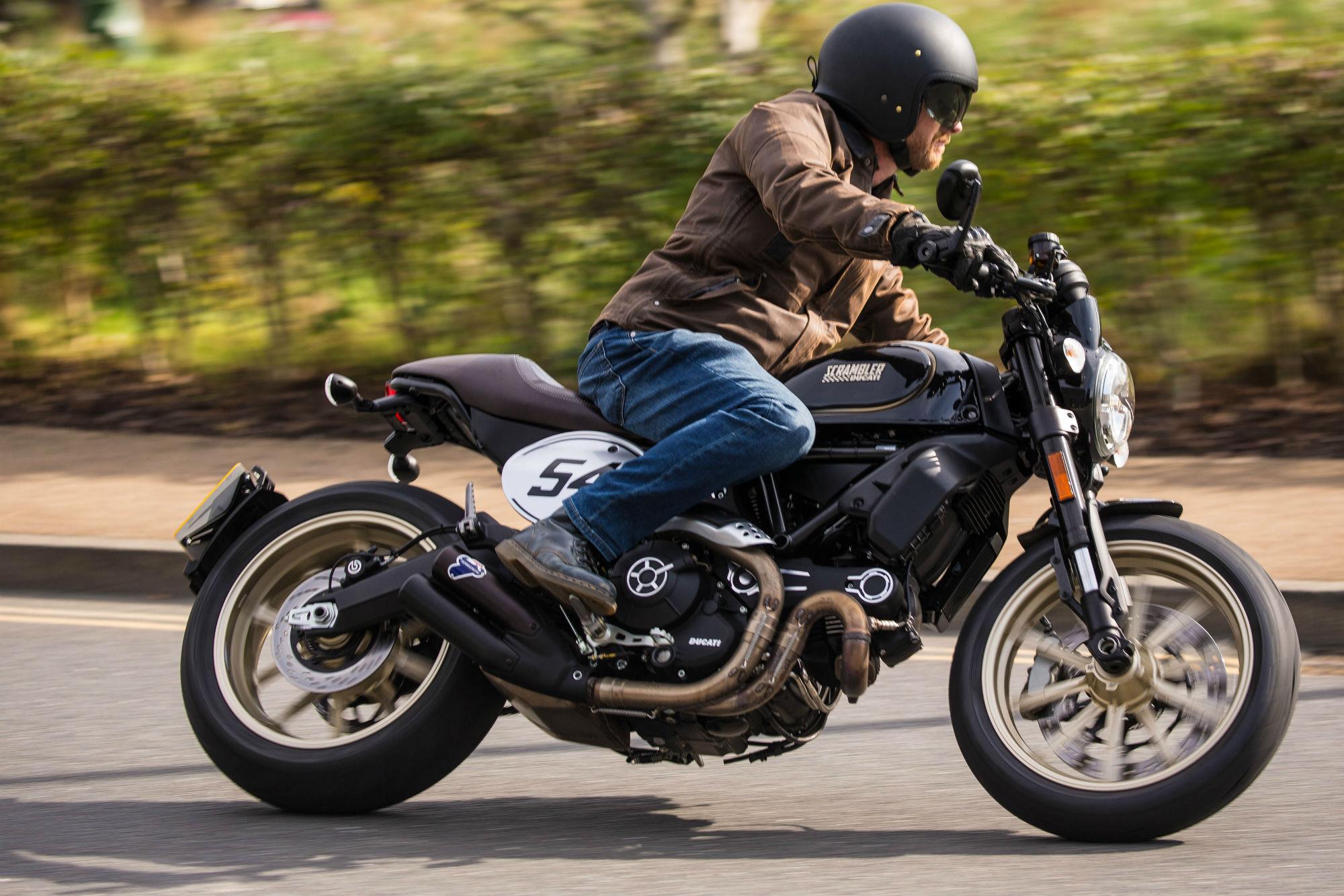 Triumph Street Cup vs Ducati Scrambler Café Racer review