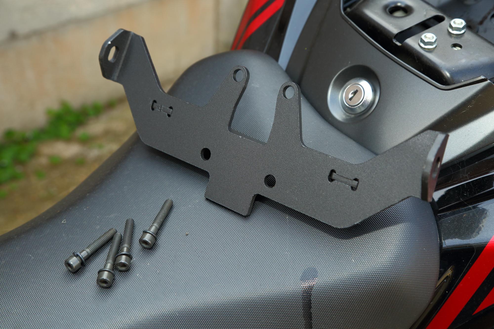 GSX-S750 Givi topbox fit