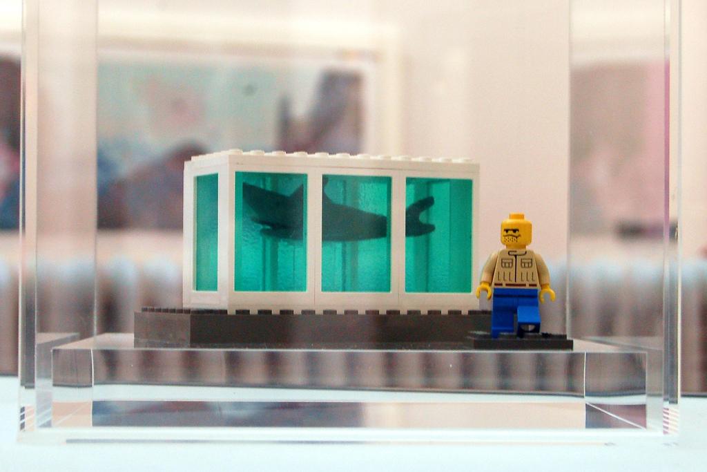 Hirst Lego Shark/Paul Stevenson Flickr