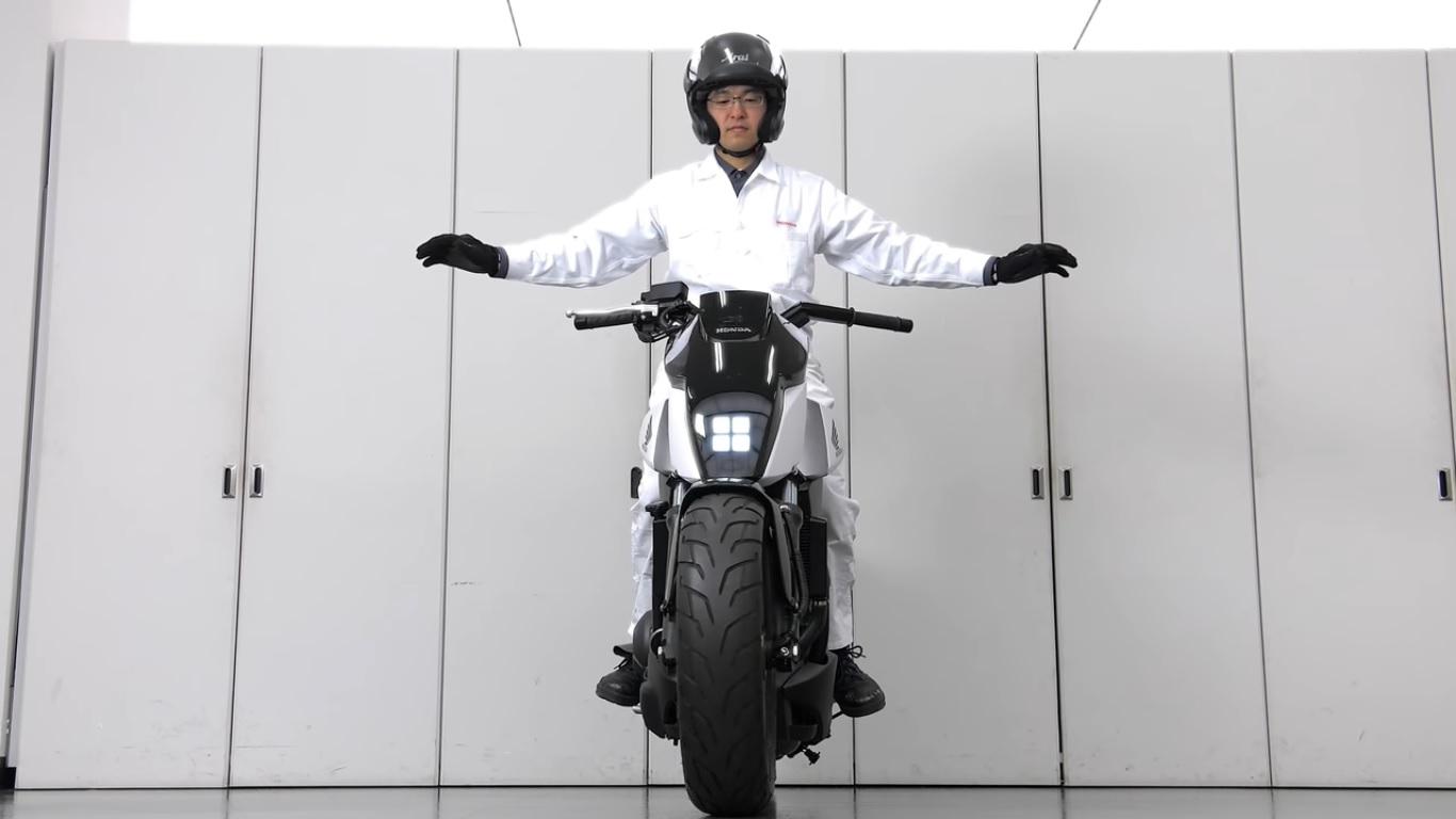 Honda reveals self-balancing bike