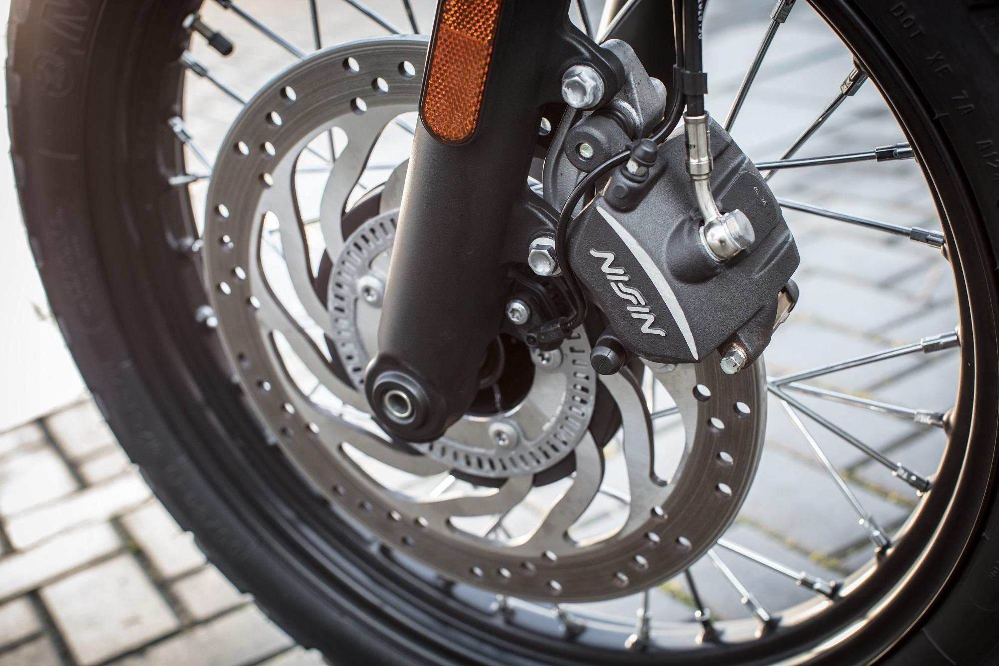 Triumph Street Scrambler front brake