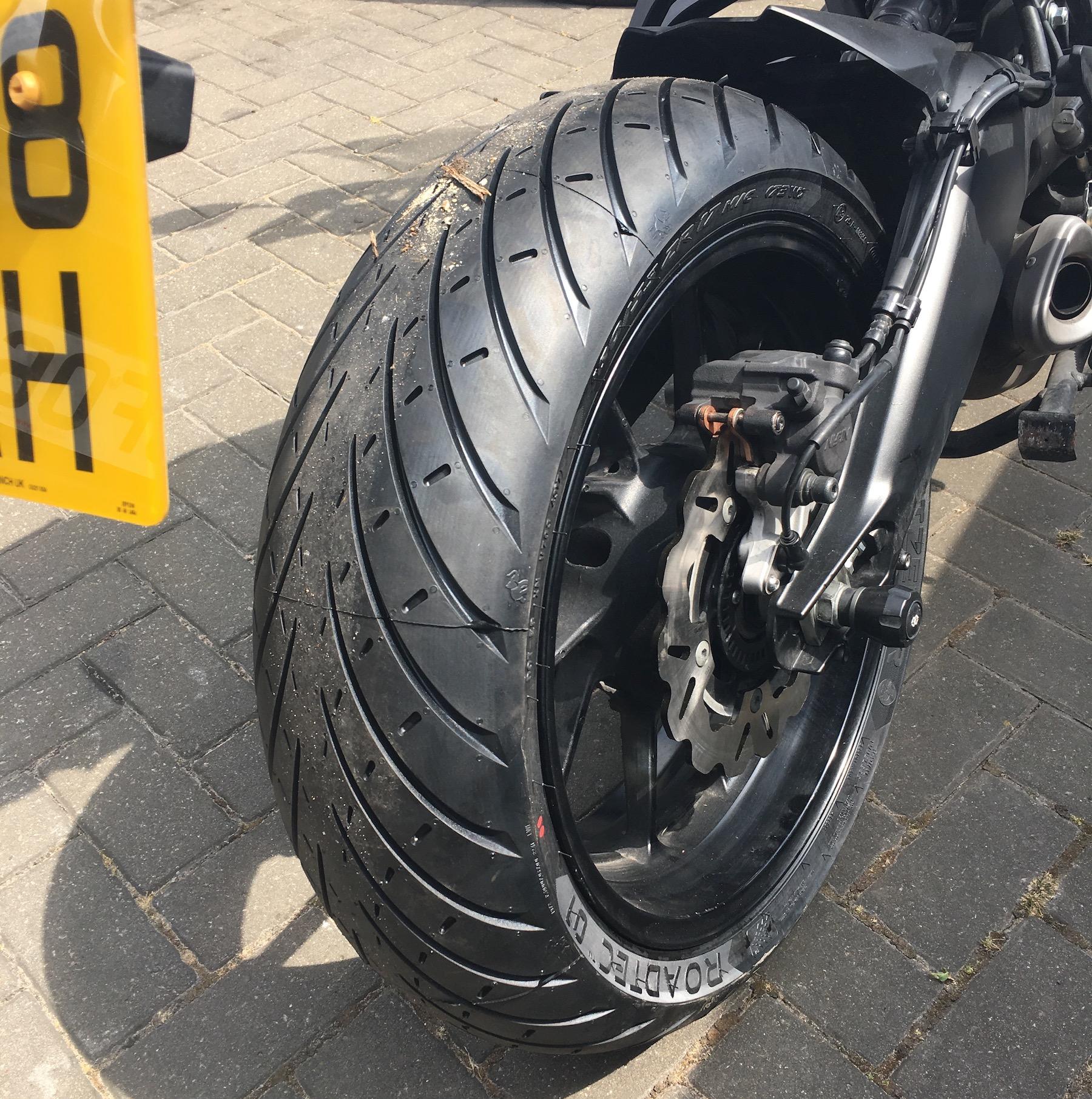 Metzeler Roadtec 01 tyres on Tracer 900