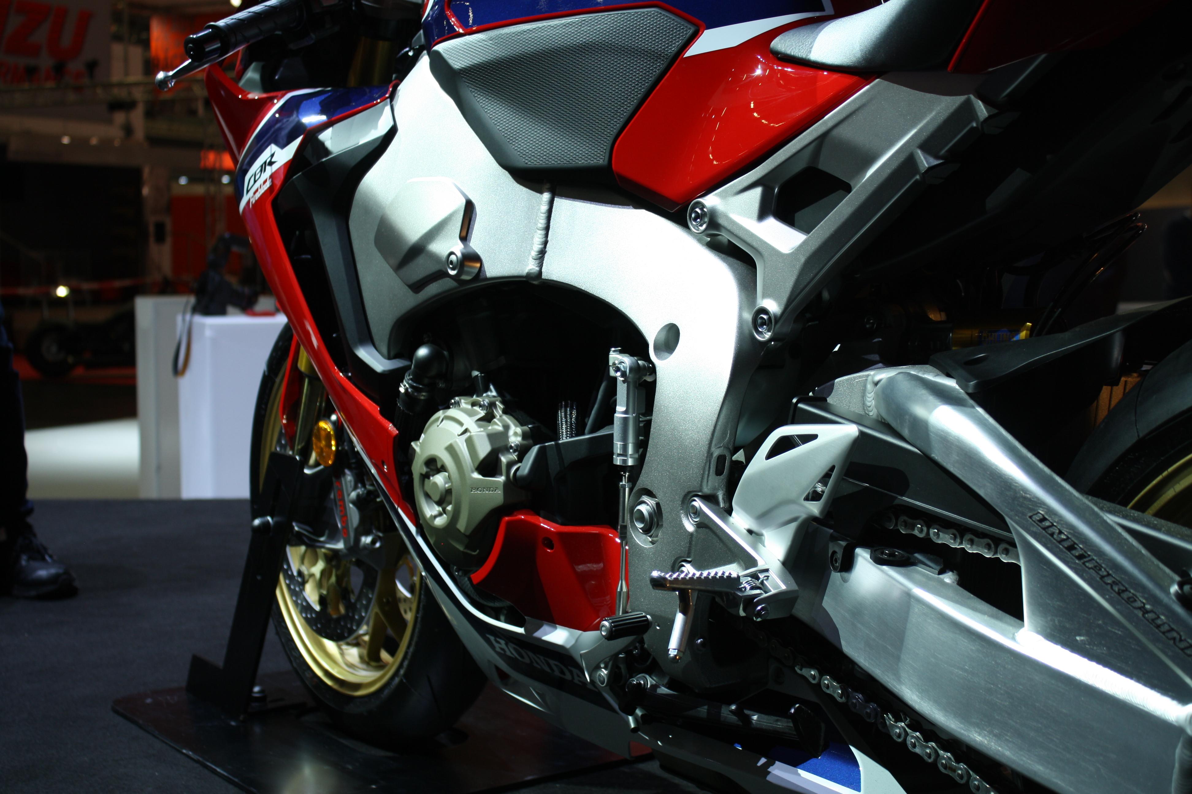 2017 Honda CBR1000RR Fireblade SP