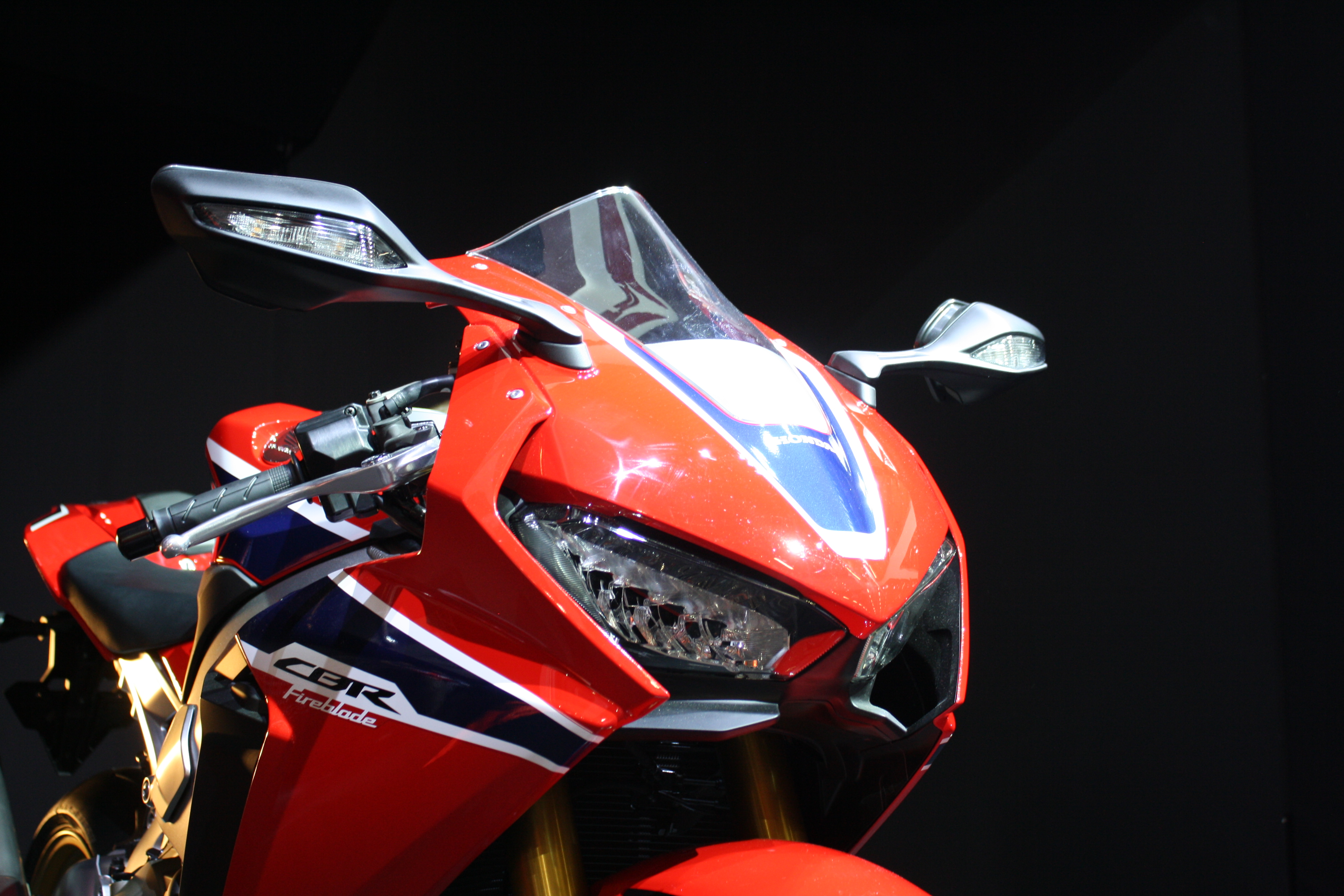 All New 2017 Honda Cbr1000rr Fireblade additionally 2017 Honda Cbr1000rr Fireblade Sp as well 2012 2015 Honda Cbr 1000rr Slip On Exhaust Kit likewise 2017 Honda Cbr1000rr Fireblade Detailed At Eicma 112875 likewise Andrew Butler Motorcycle Photographer Yamaha R1 2016 Nik4628a. on 2016 honda cbr1000rr fireblade
