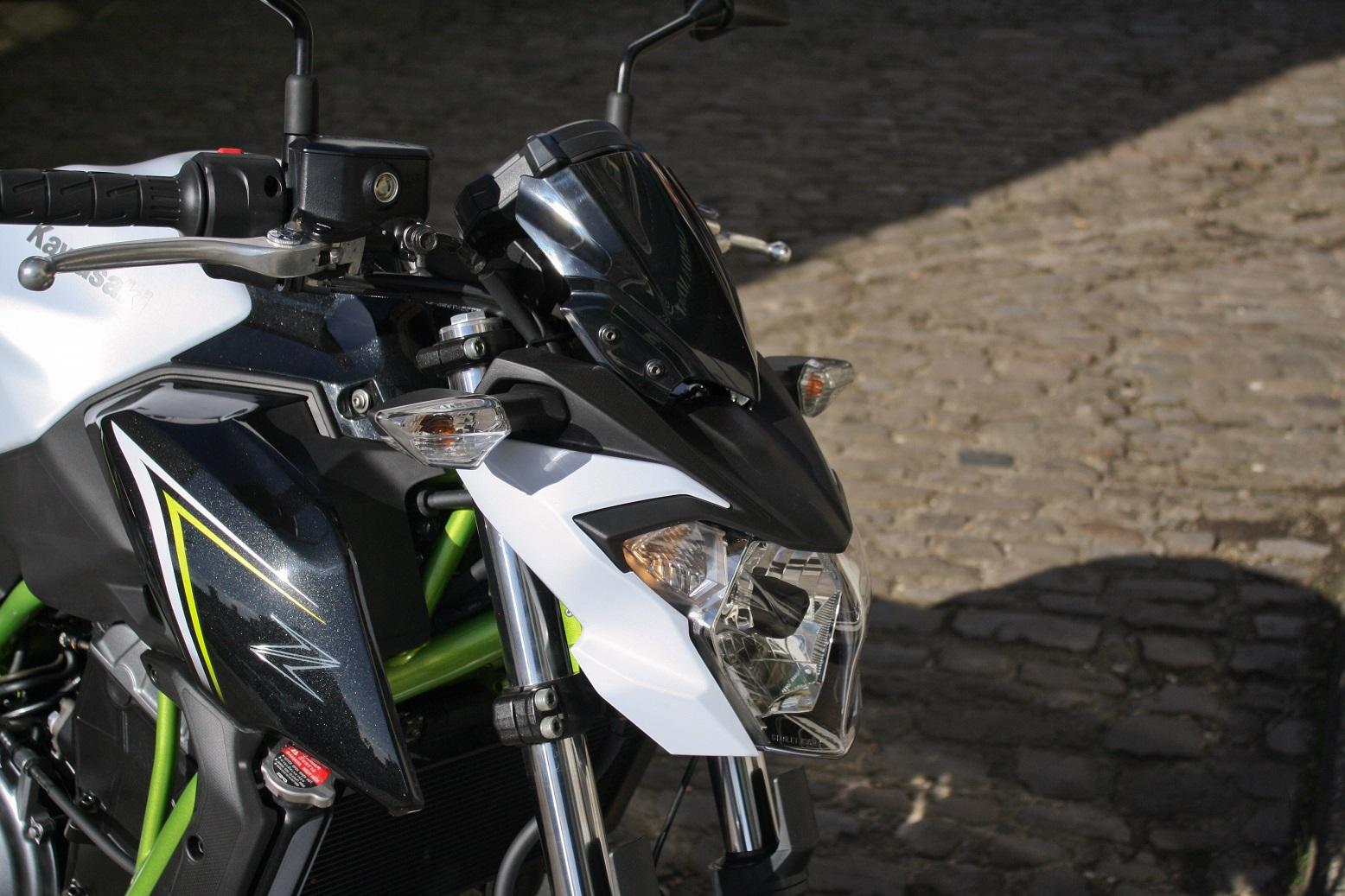 Kawasaki Z650 front light