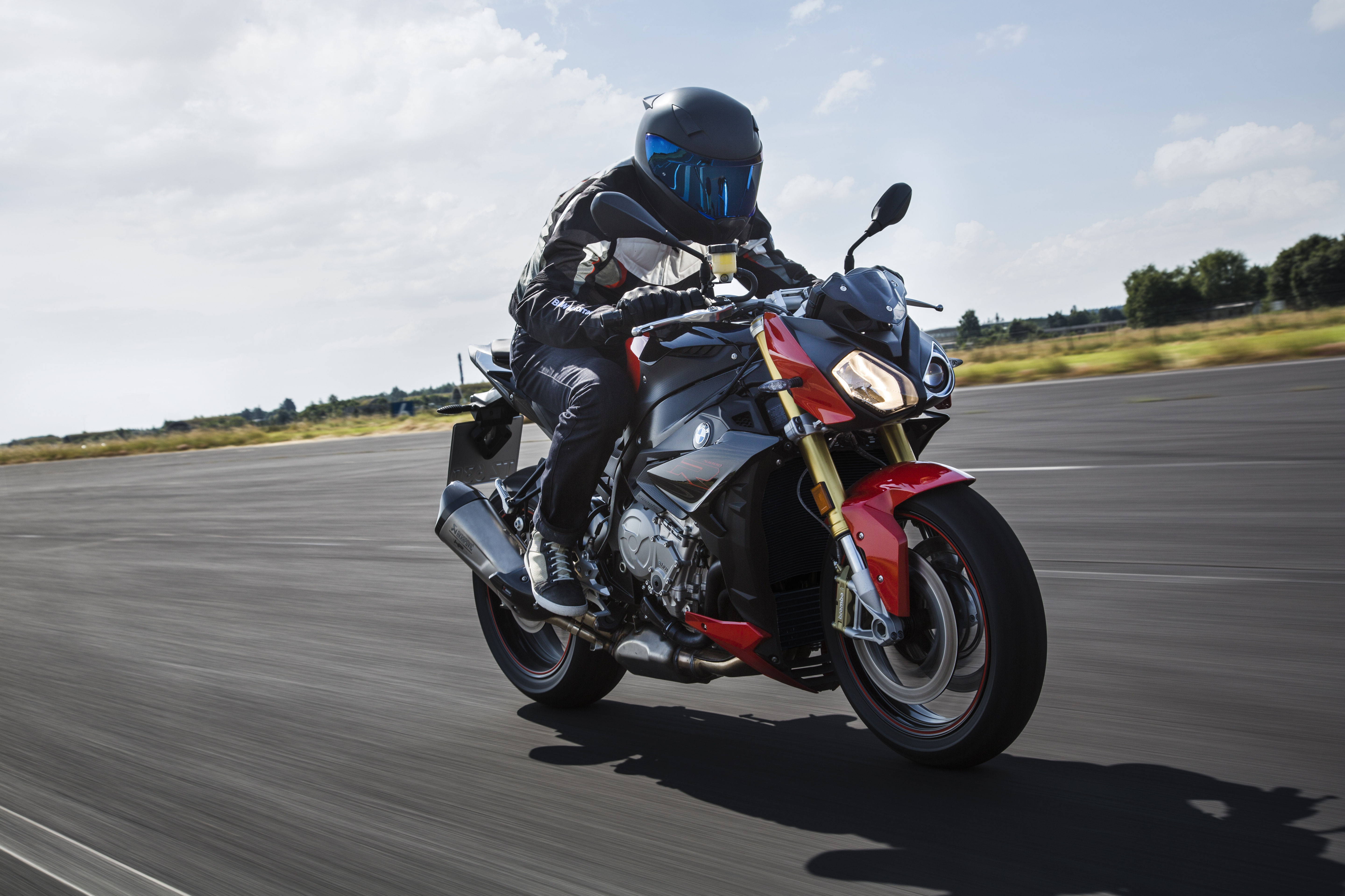Updated BMW S1000R revealed