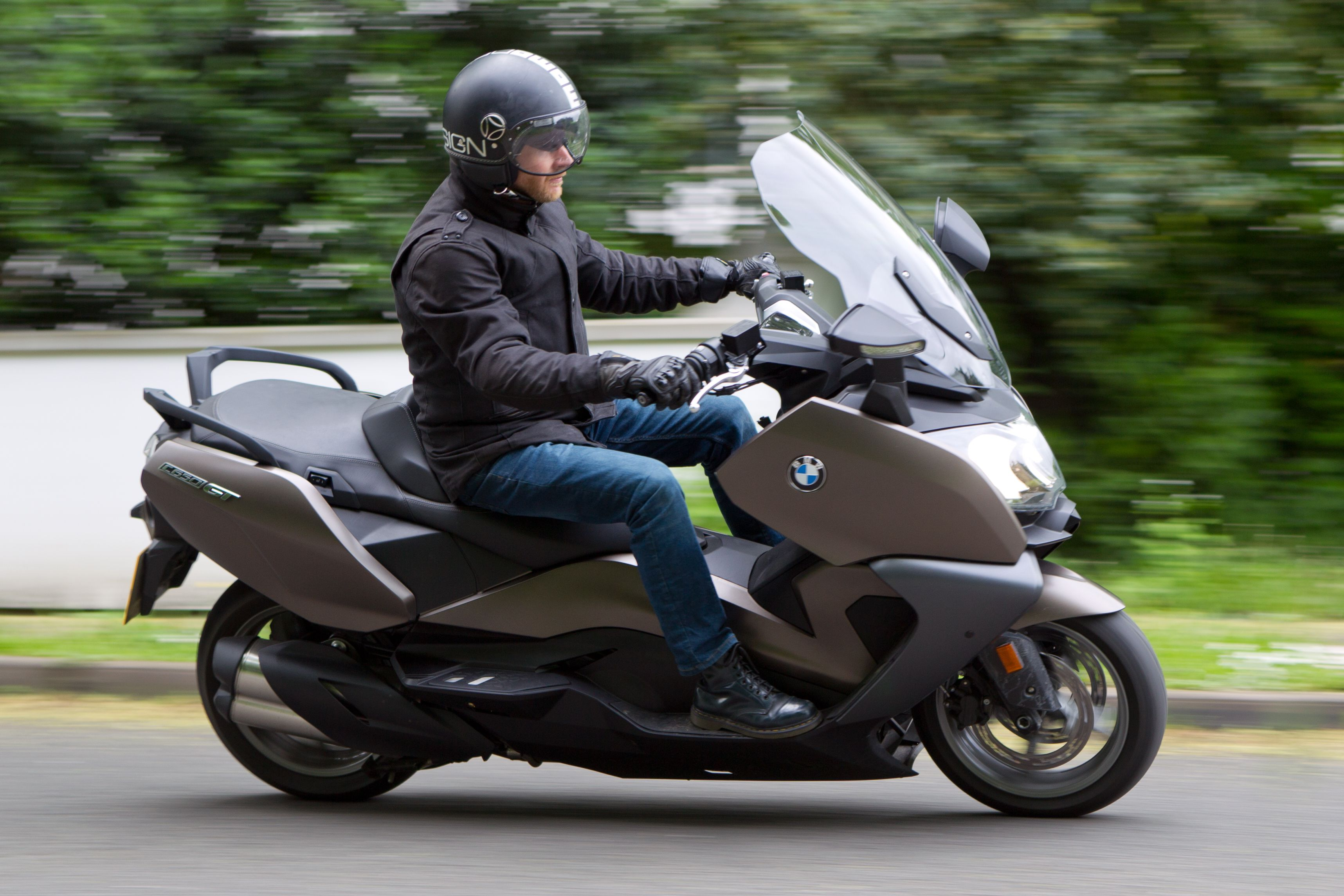 bmw c650 gt and bmw c650 sport review visordown. Black Bedroom Furniture Sets. Home Design Ideas