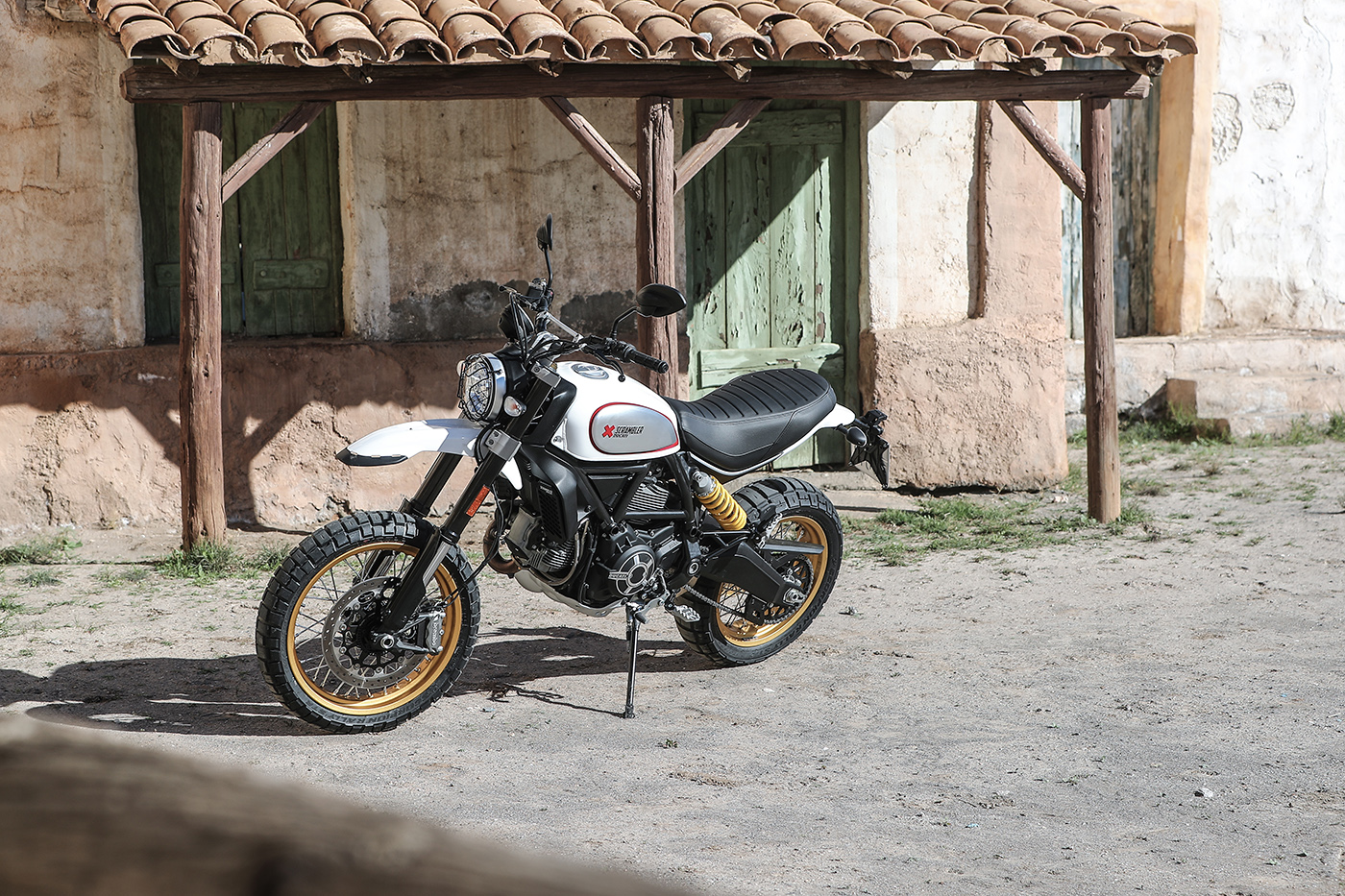 ducati scrambler desert sled review visordown. Black Bedroom Furniture Sets. Home Design Ideas