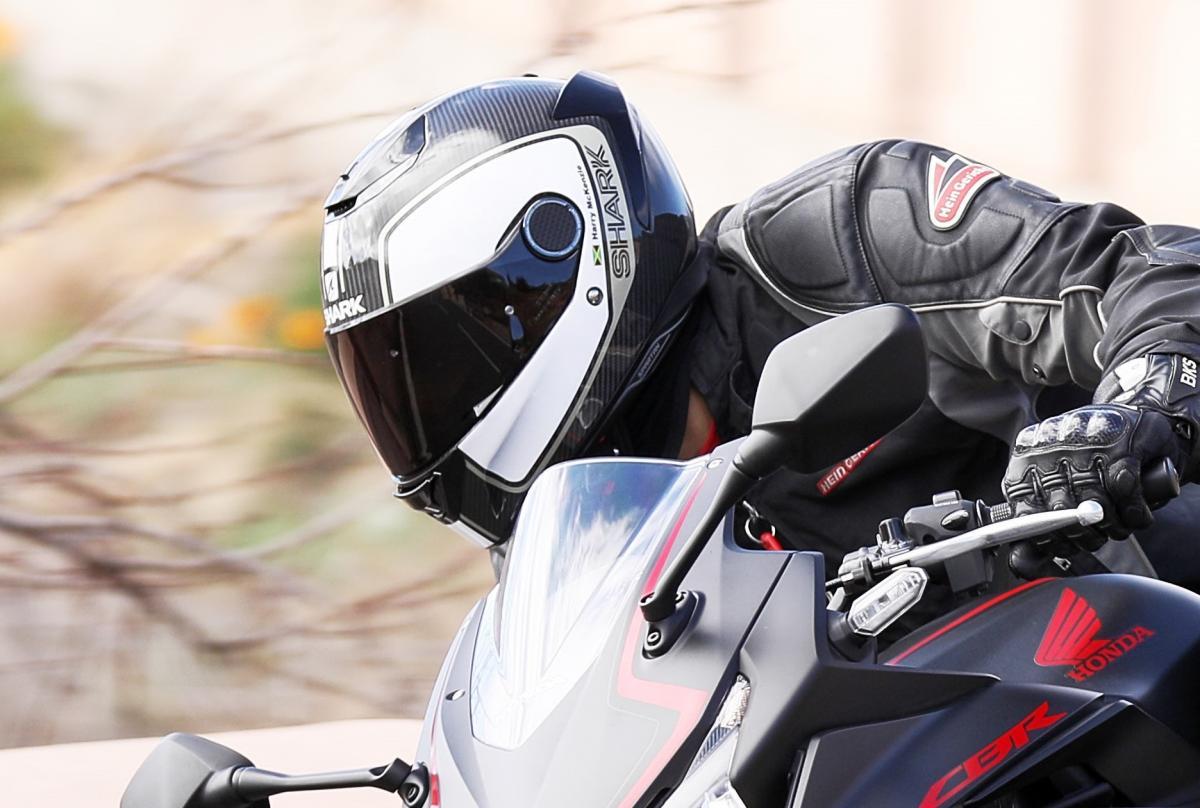 shark spartan carbon priona helmet review visordown. Black Bedroom Furniture Sets. Home Design Ideas