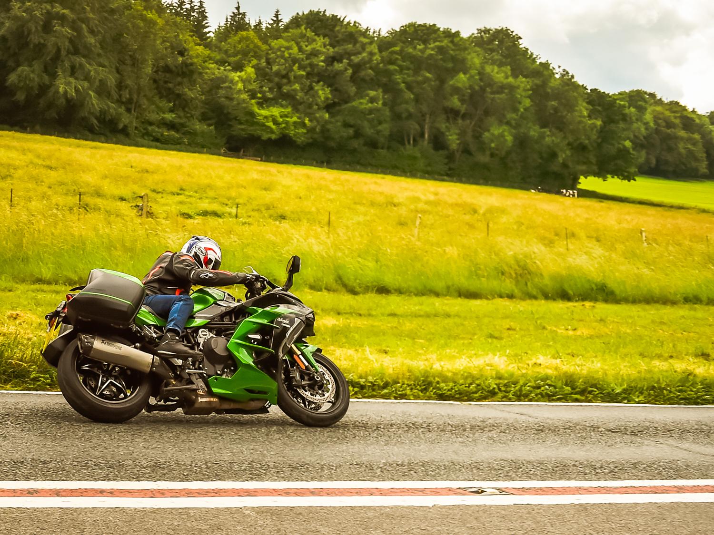 Kawasaki H2 SX SE on dyno