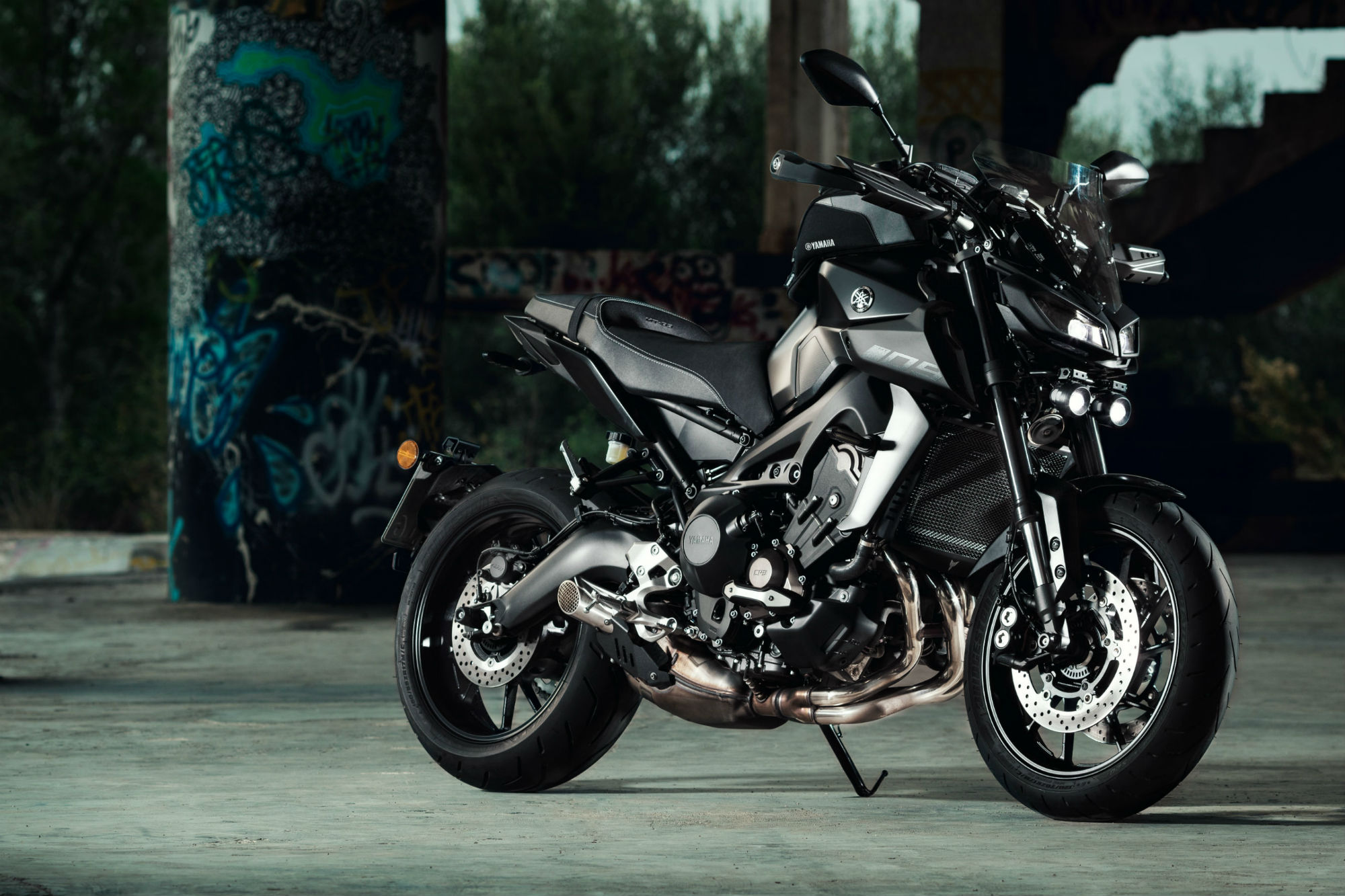 First Ride 2017 Yamaha MT 09 Review
