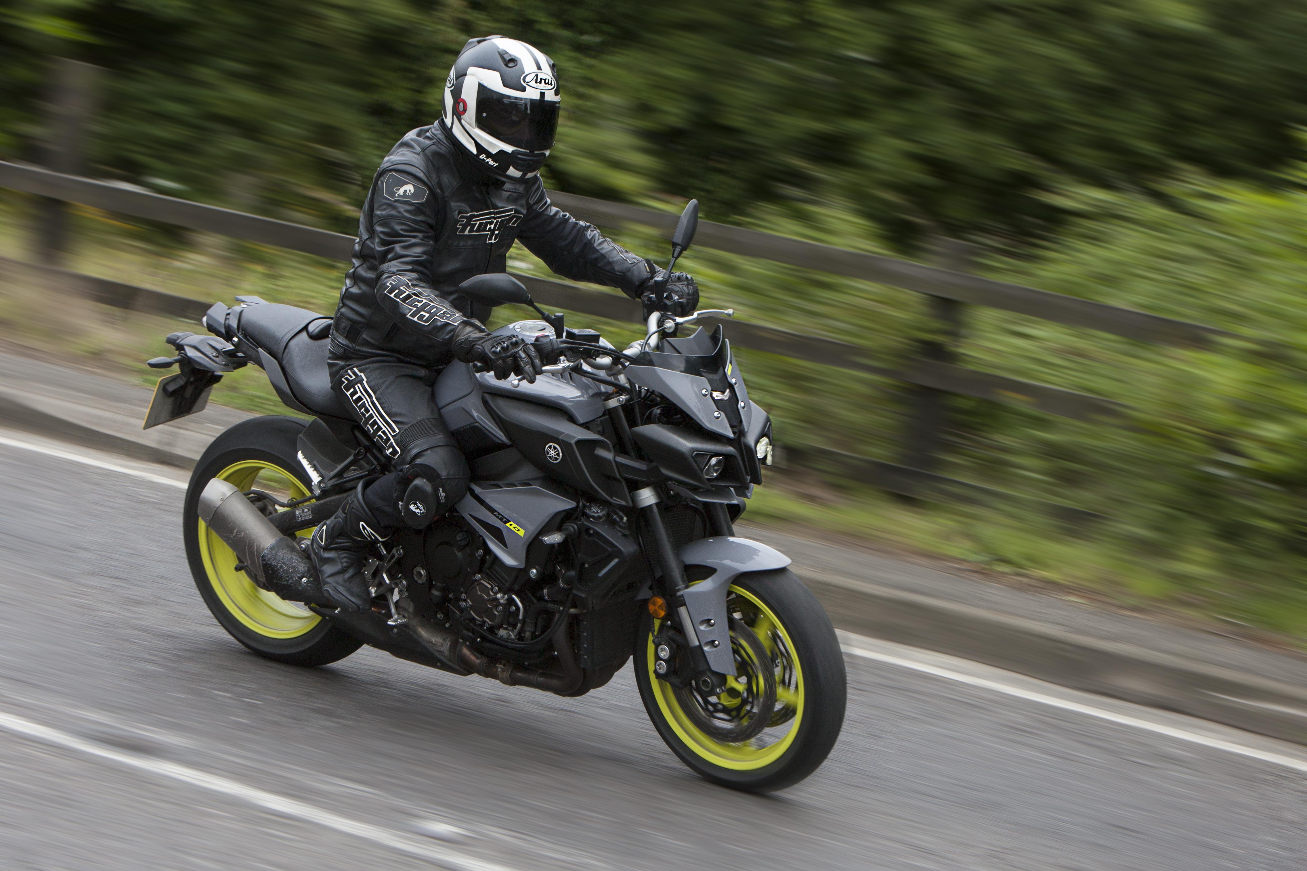 Back-to-back test: Yamaha MT-10 vs BMW S...