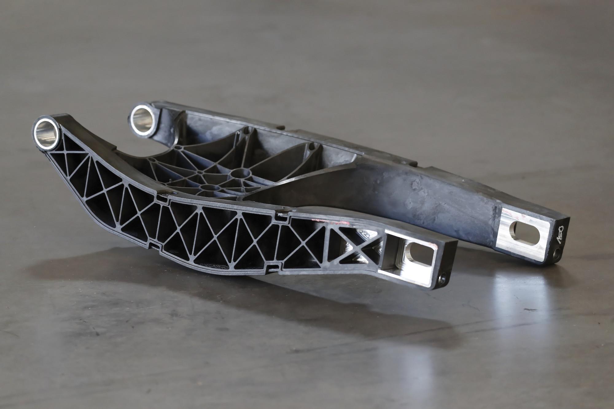 Carbon swingarm basic version