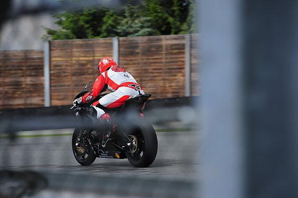 Schumacher spied bike testing again