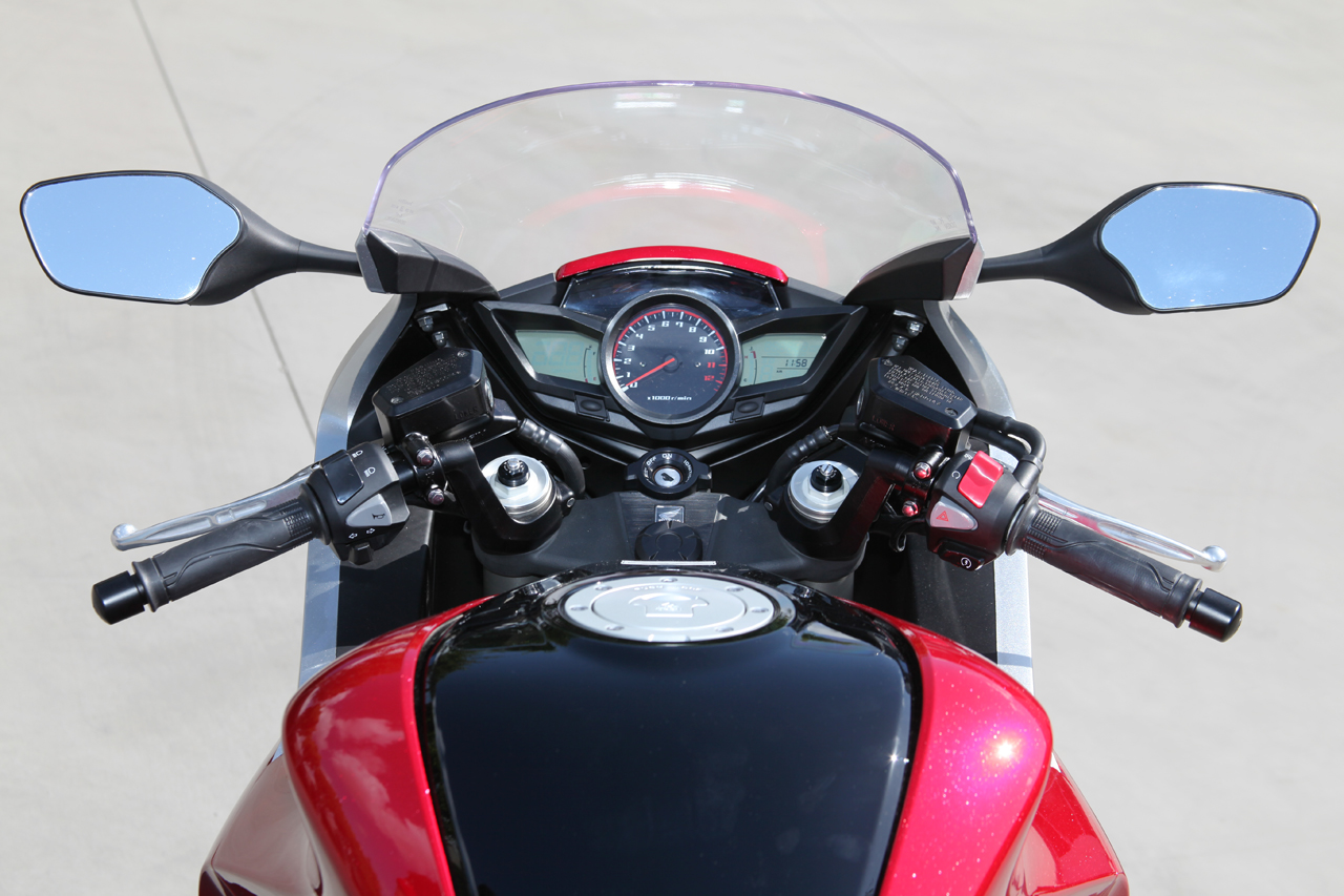 VFR 1200f Motorcycle Dashboard