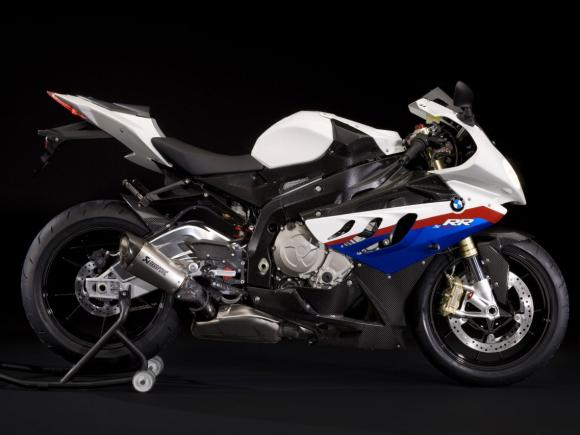 First Look: BMW S1000RR Carbon Edition