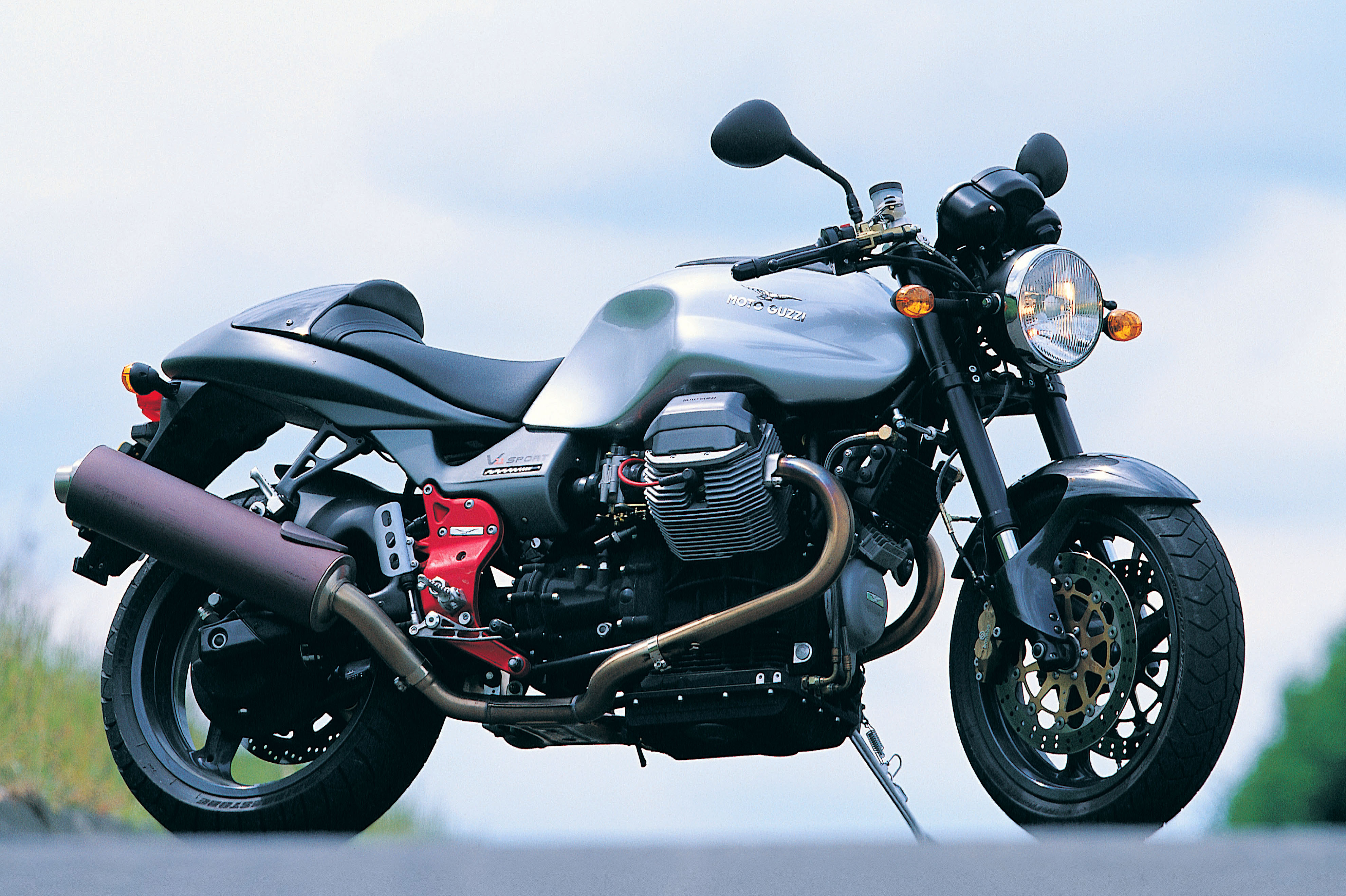 first ride 2001 moto guzzi v11 sport na visordown. Black Bedroom Furniture Sets. Home Design Ideas