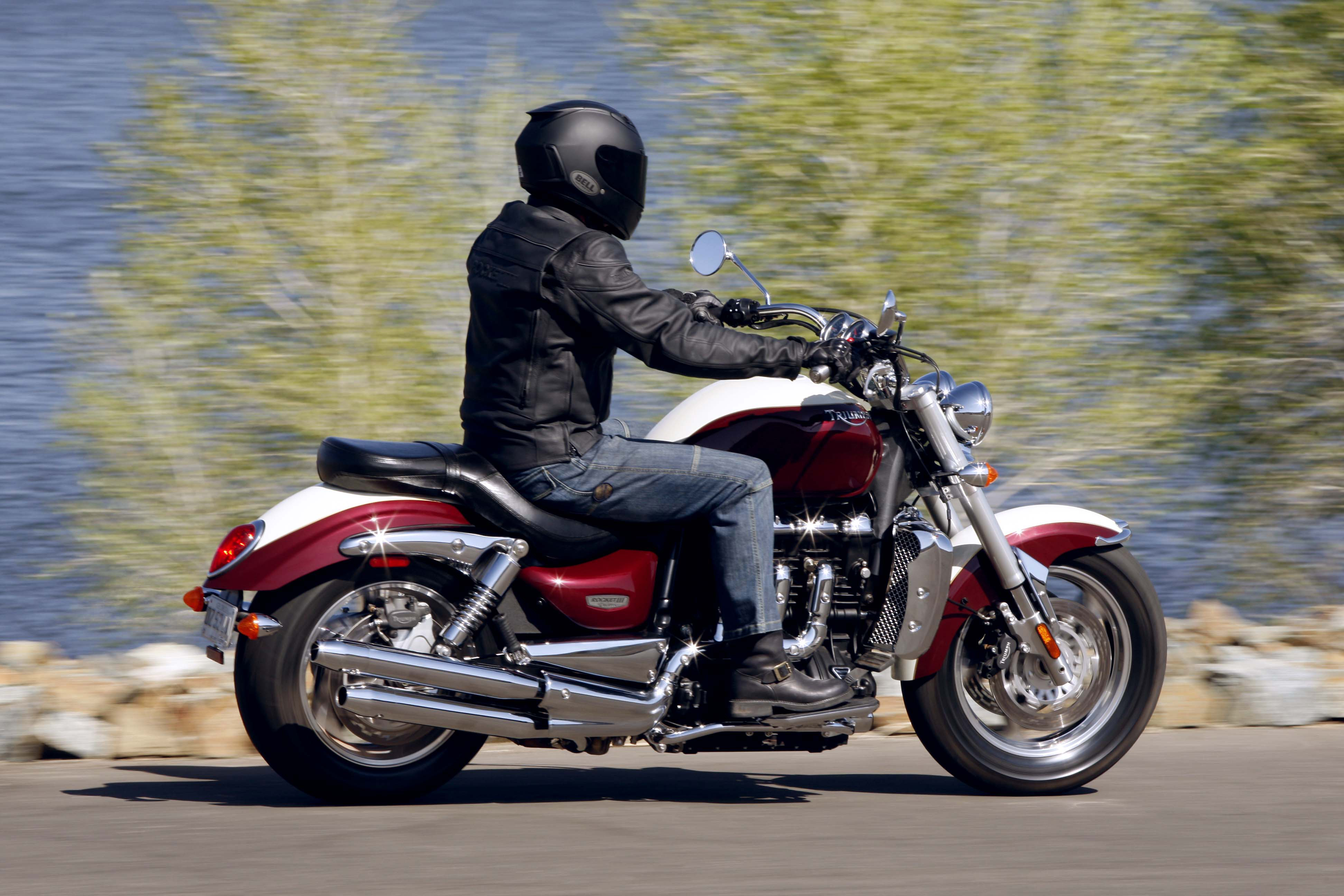 first ride 2006 triumph rocket iii classic visordown. Black Bedroom Furniture Sets. Home Design Ideas