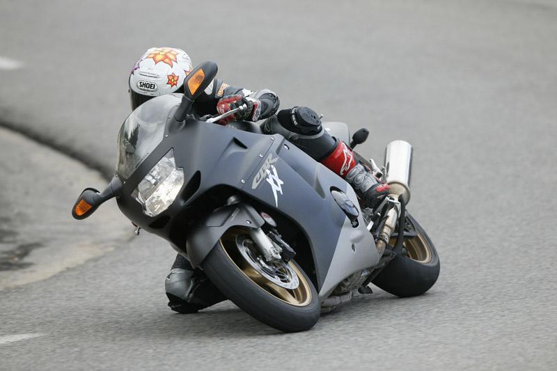 Buyer Guide: Honda CBR1100XX Super Black... | Visordown