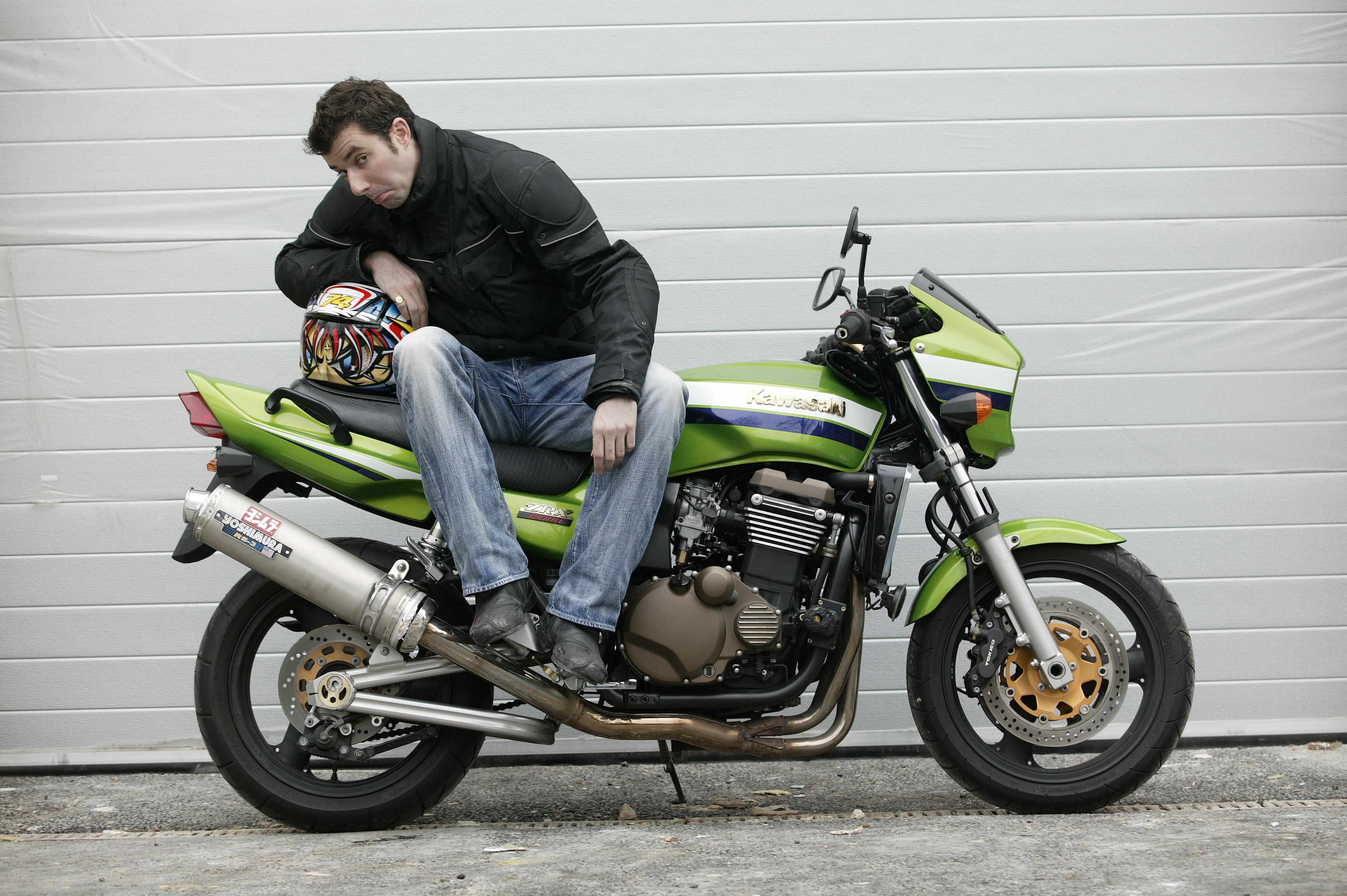 Living With A 2005 Kawasaki Zrx1200r Visordown