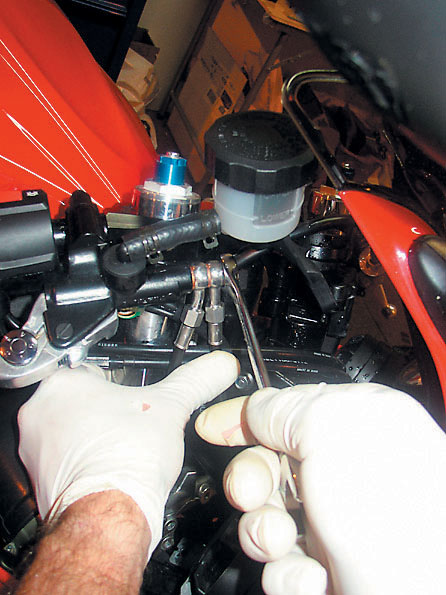 10 Steps for changing brake hoses