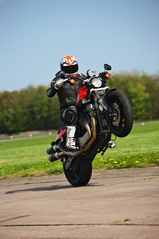 Living With A 2009 Harley Davidson Xr1200 Visordown