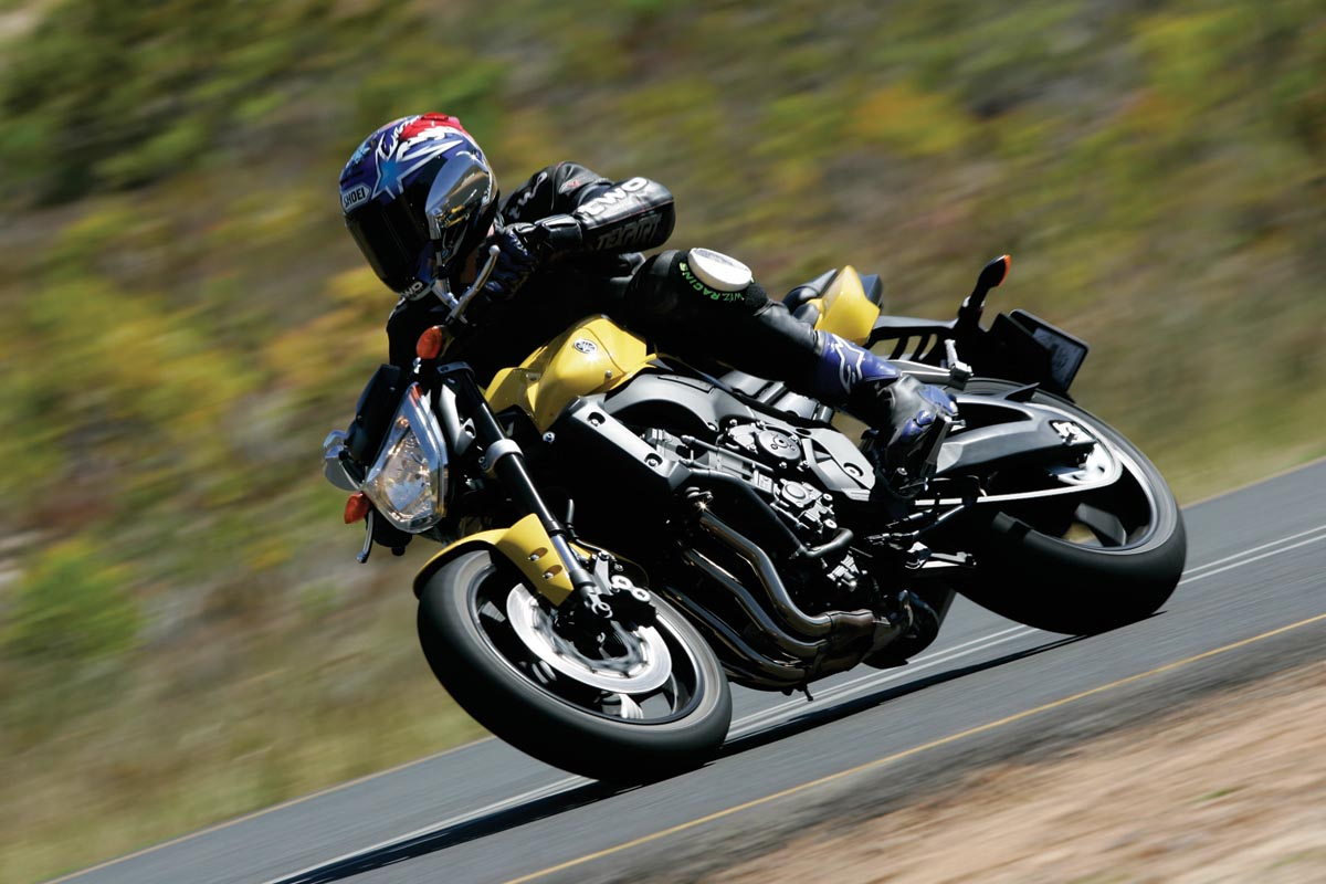 first ride 2006 yamaha fz1 fazer visordown. Black Bedroom Furniture Sets. Home Design Ideas