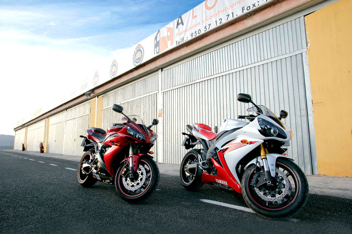 Road Test: 2004 Yamaha R1 vs. 2007 Yamaha R1