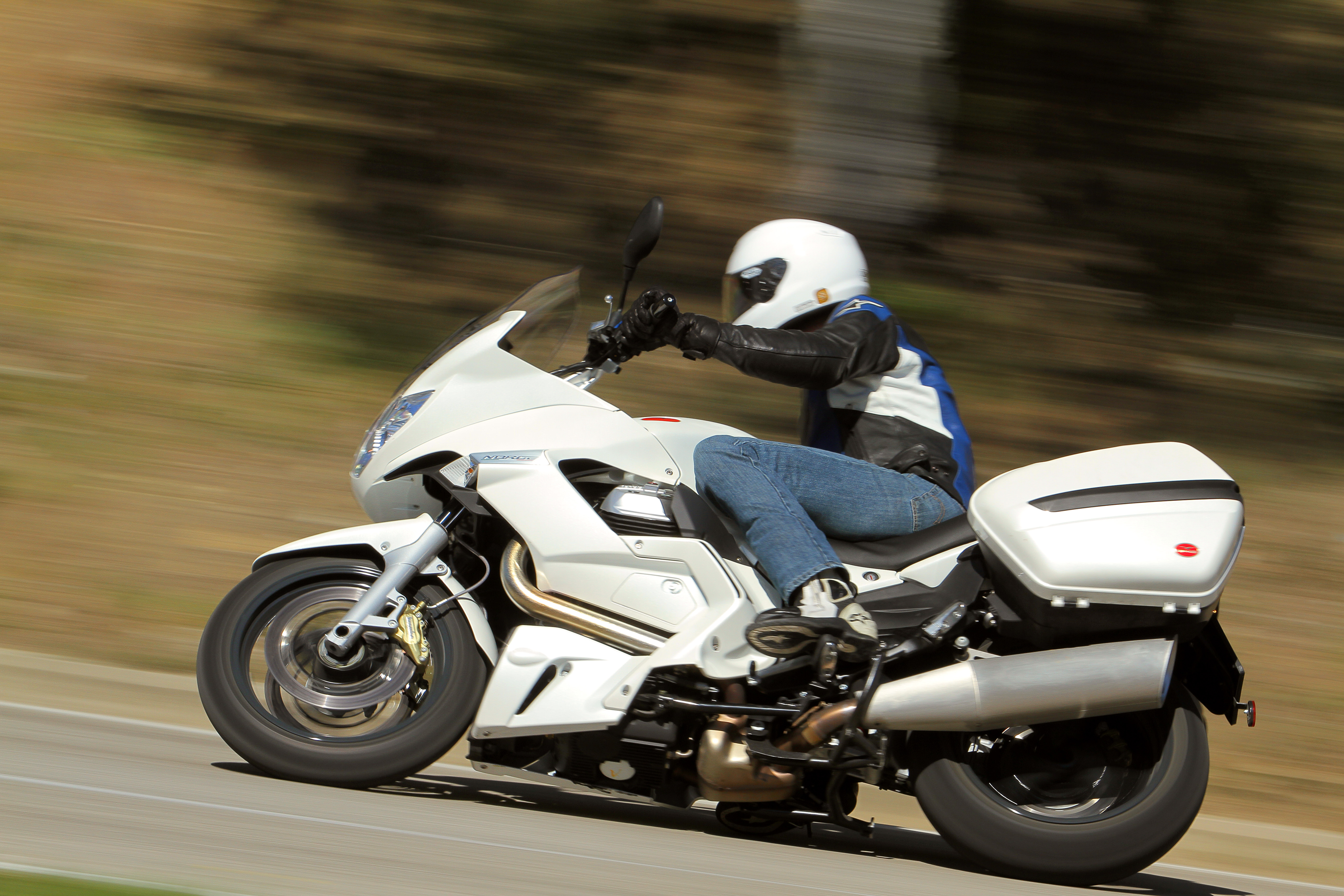 First Ride: Moto Guzzi Norge GT 8V
