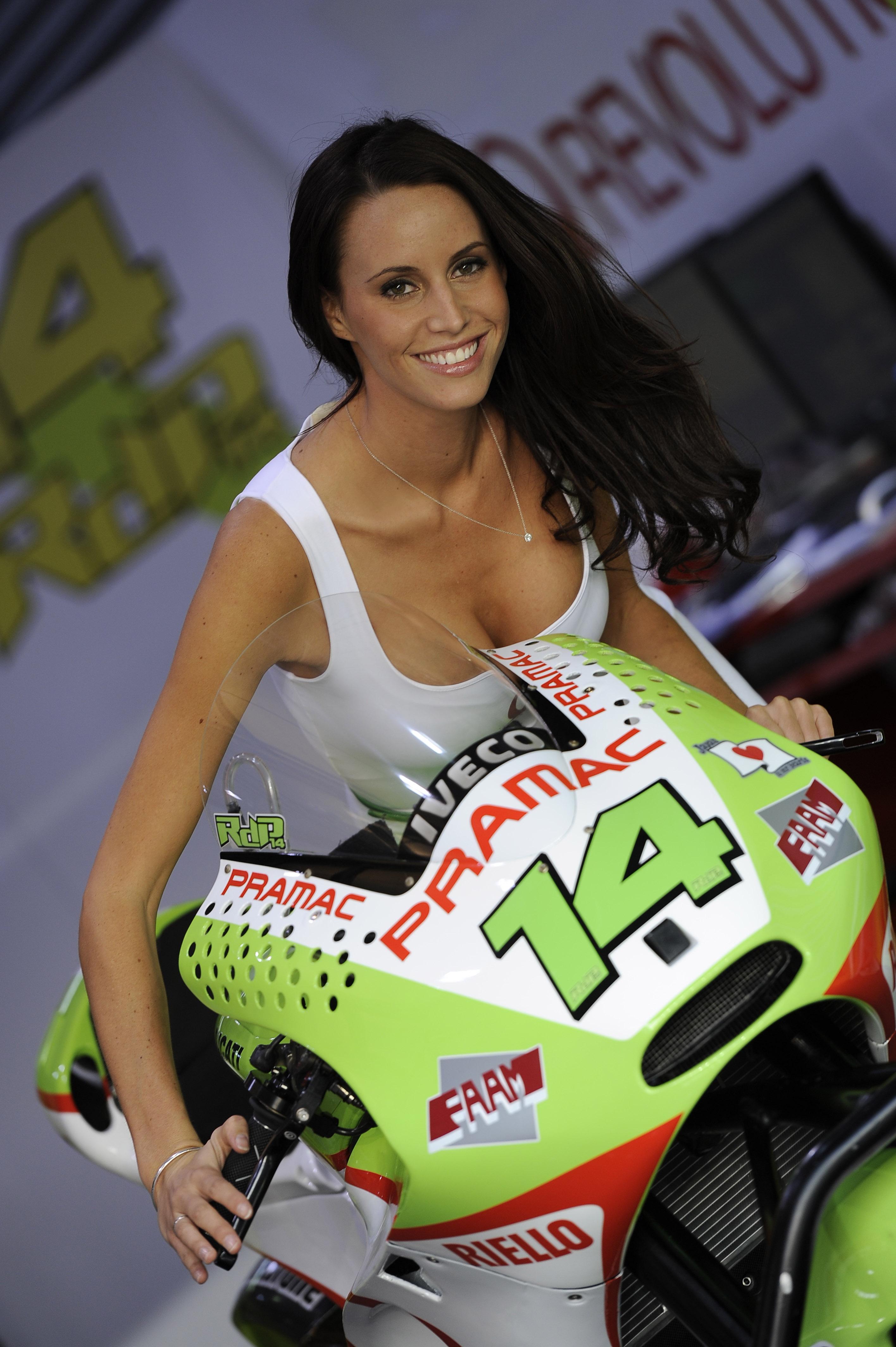 MotoGP Grid Girl Gallery: Sachsenring 2011 | Visordown