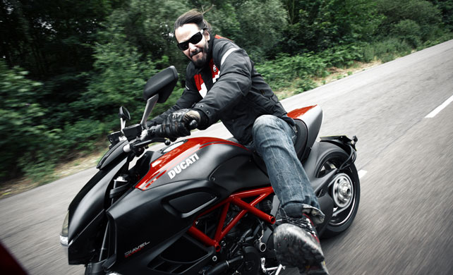 Keanu Reeves On The Ducati Diavel Snippets Visordown