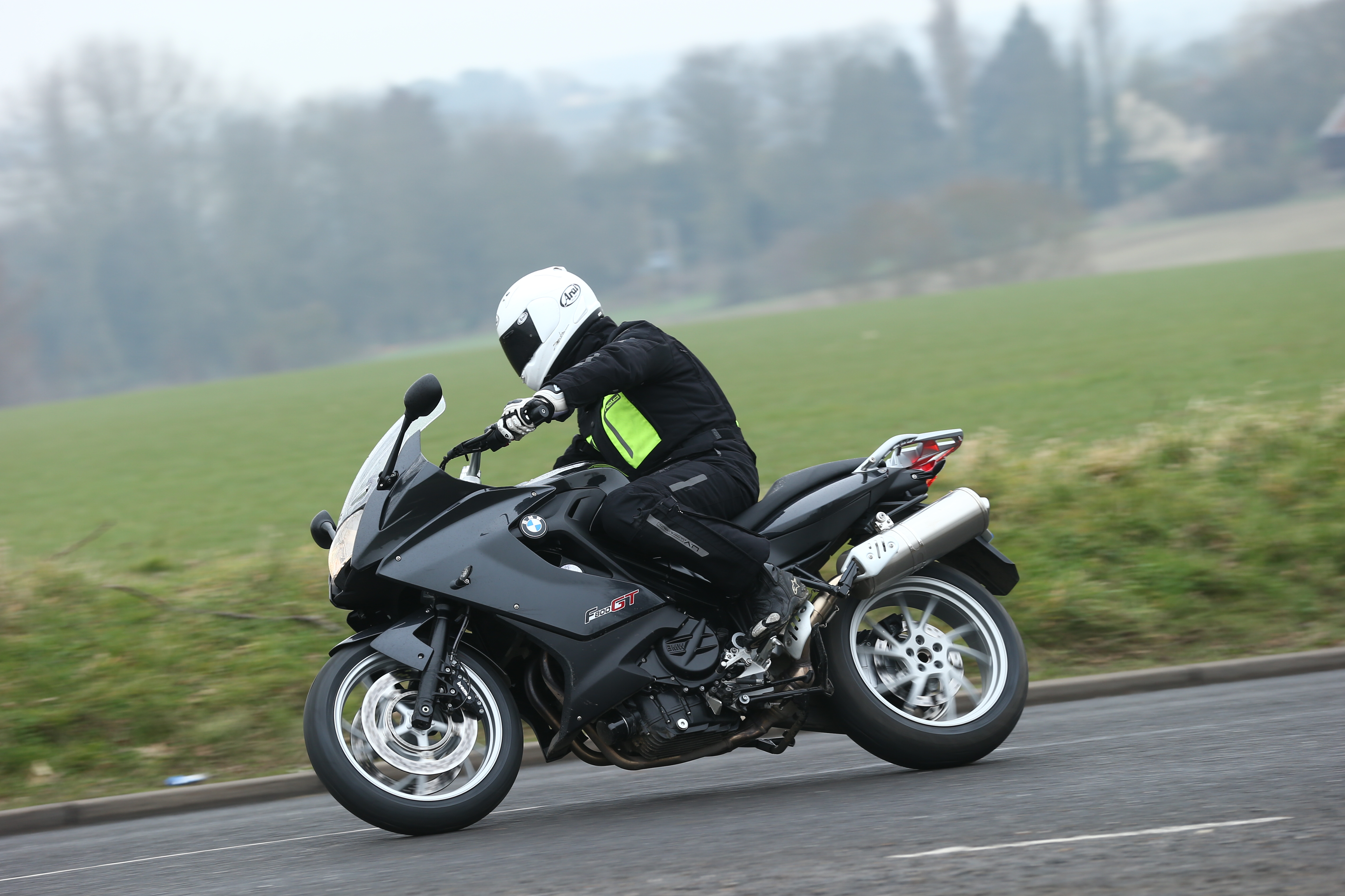 first ride 2013 bmw f800gt review visordown. Black Bedroom Furniture Sets. Home Design Ideas