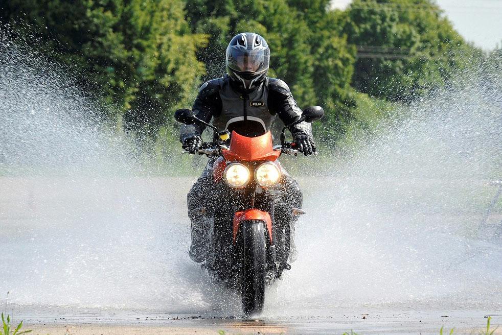 EU enforced braking - below 125cc?