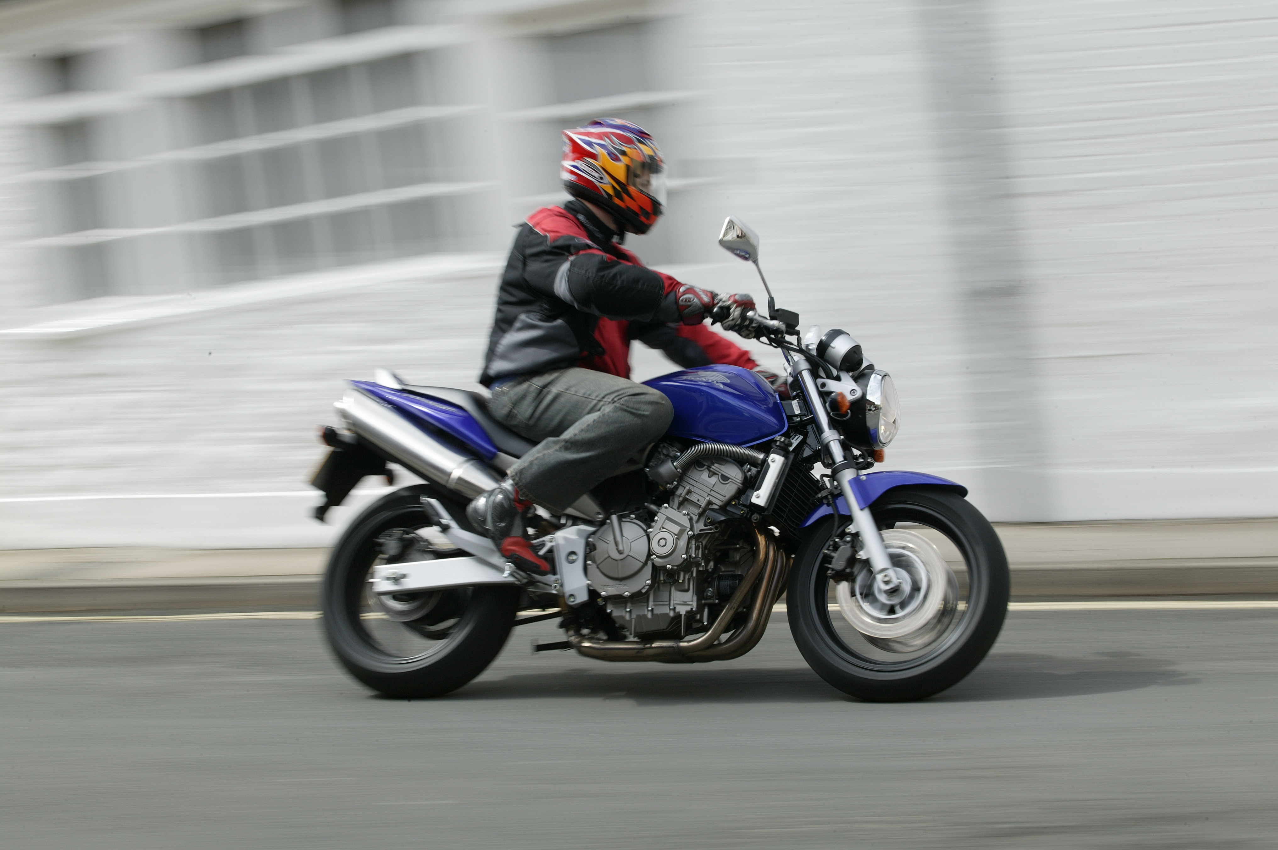 How much does an A2 motorcycle licence cost?