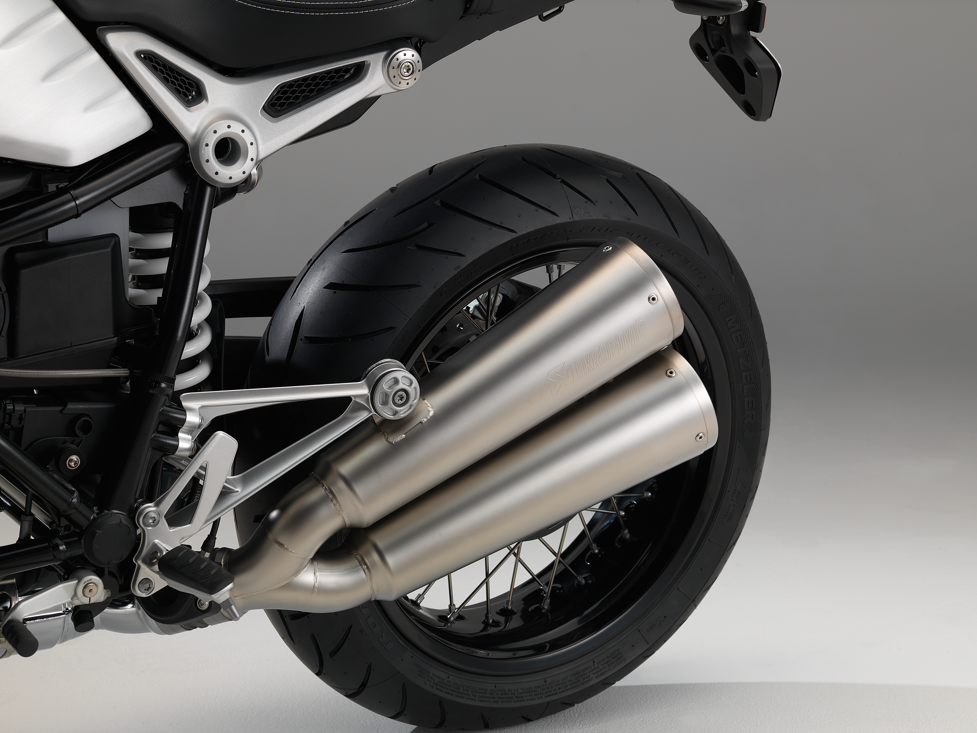 BMW NineT specs and pictures
