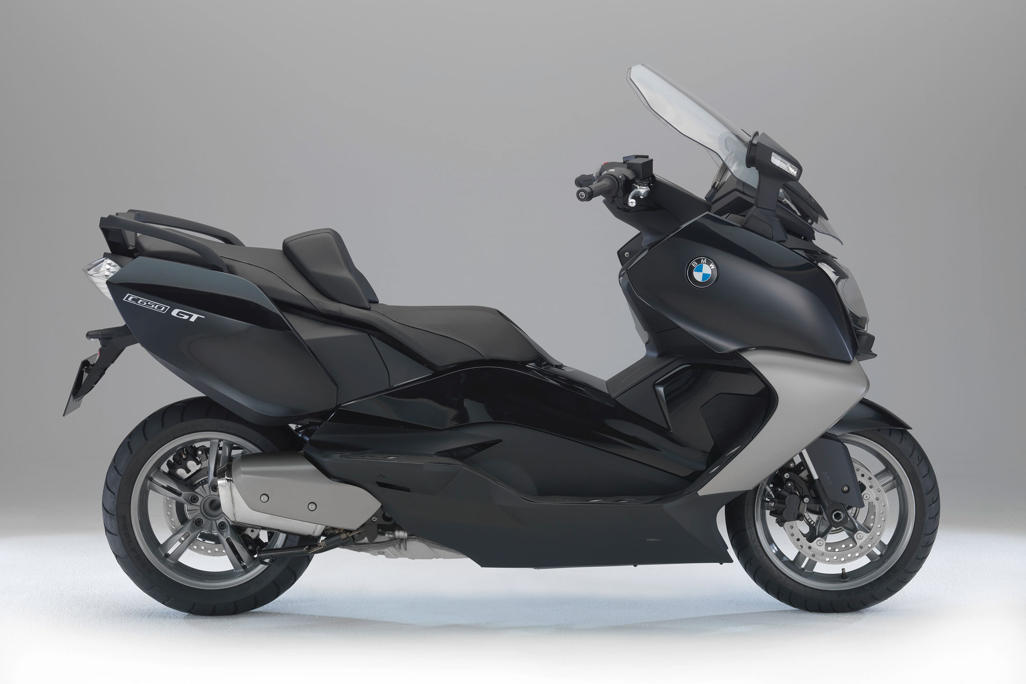 Top 10 maxi scooters review visordown bmw c 650 gt sciox Choice Image