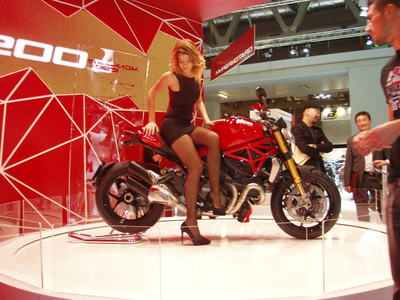 EICMA motorcycle show girls 2013