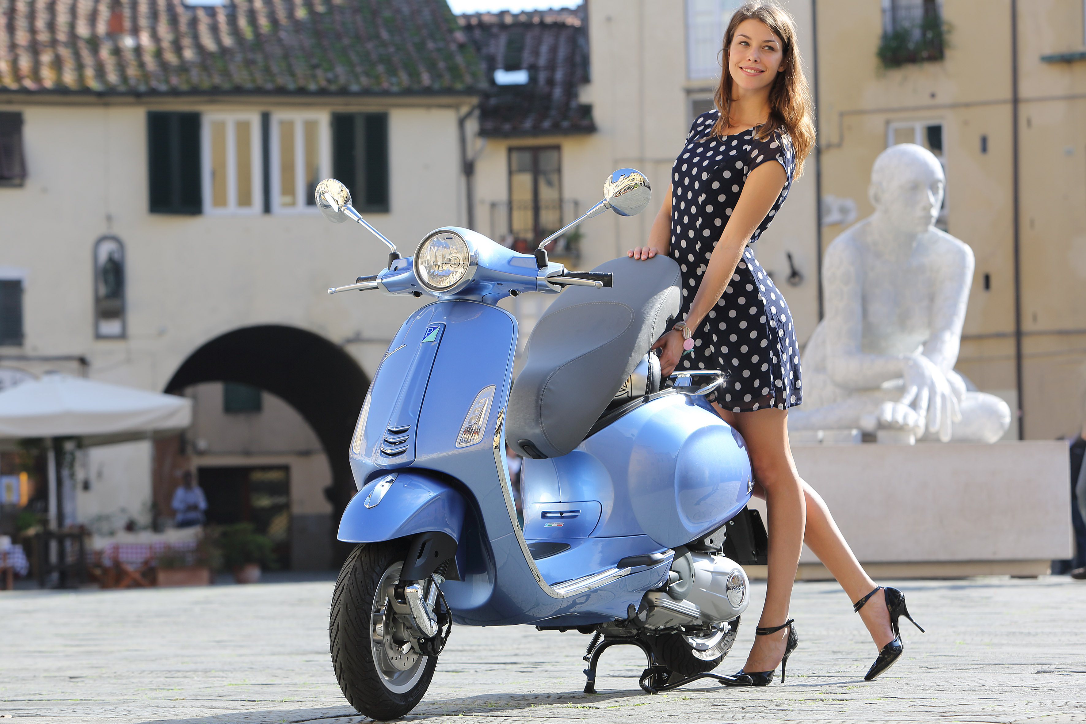 hot girl on a vespa visordown. Black Bedroom Furniture Sets. Home Design Ideas