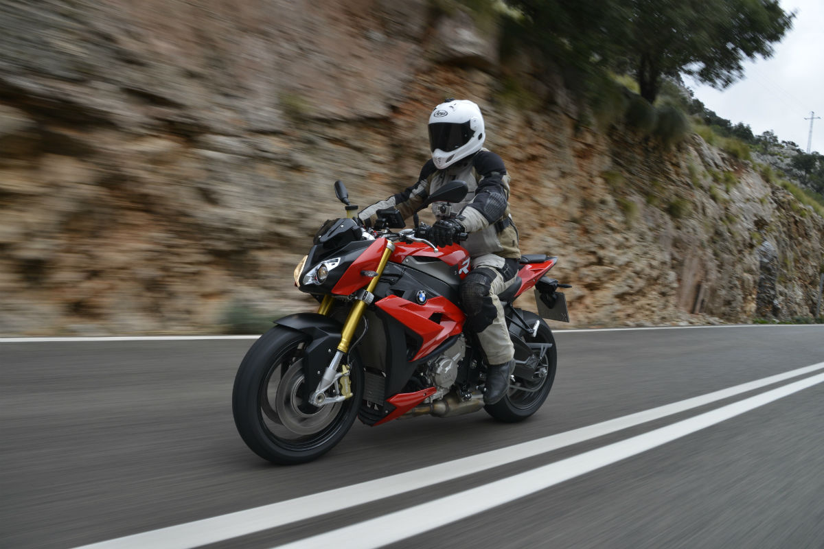 first ride bmw s1000r review visordown
