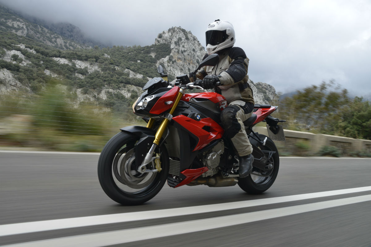 First ride: BMW S1000R review