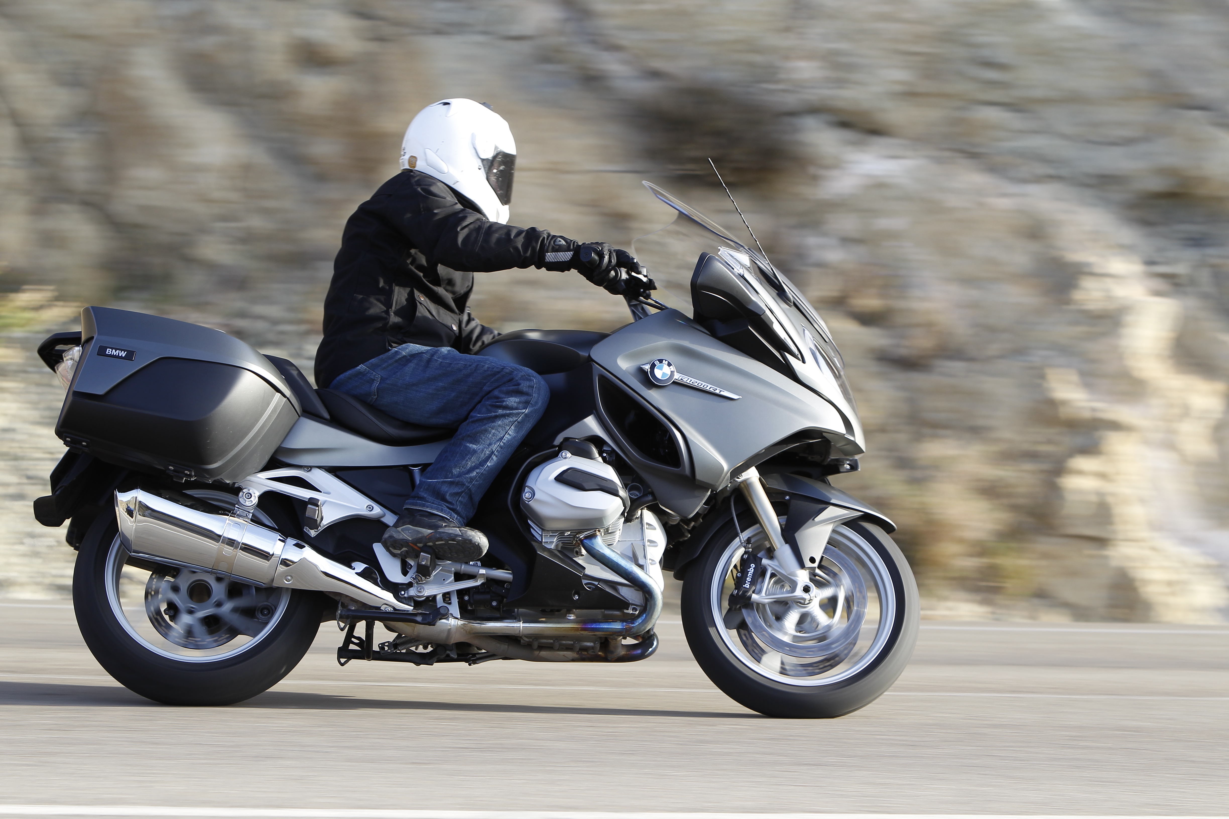 First Ride 2014 Bmw R1200rt Review Visordown