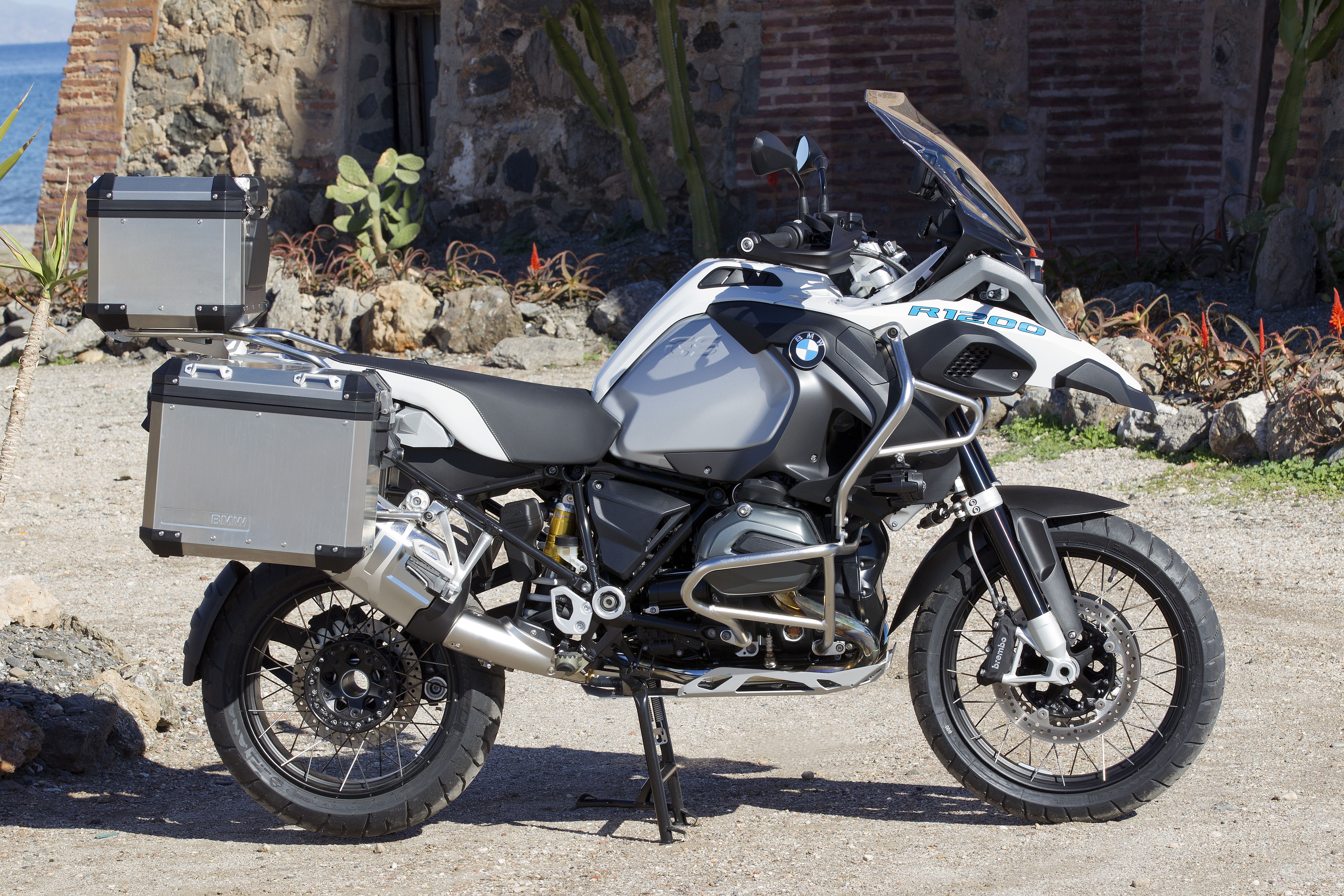 First ride: BMW R1200GS Adventure review | Visordown