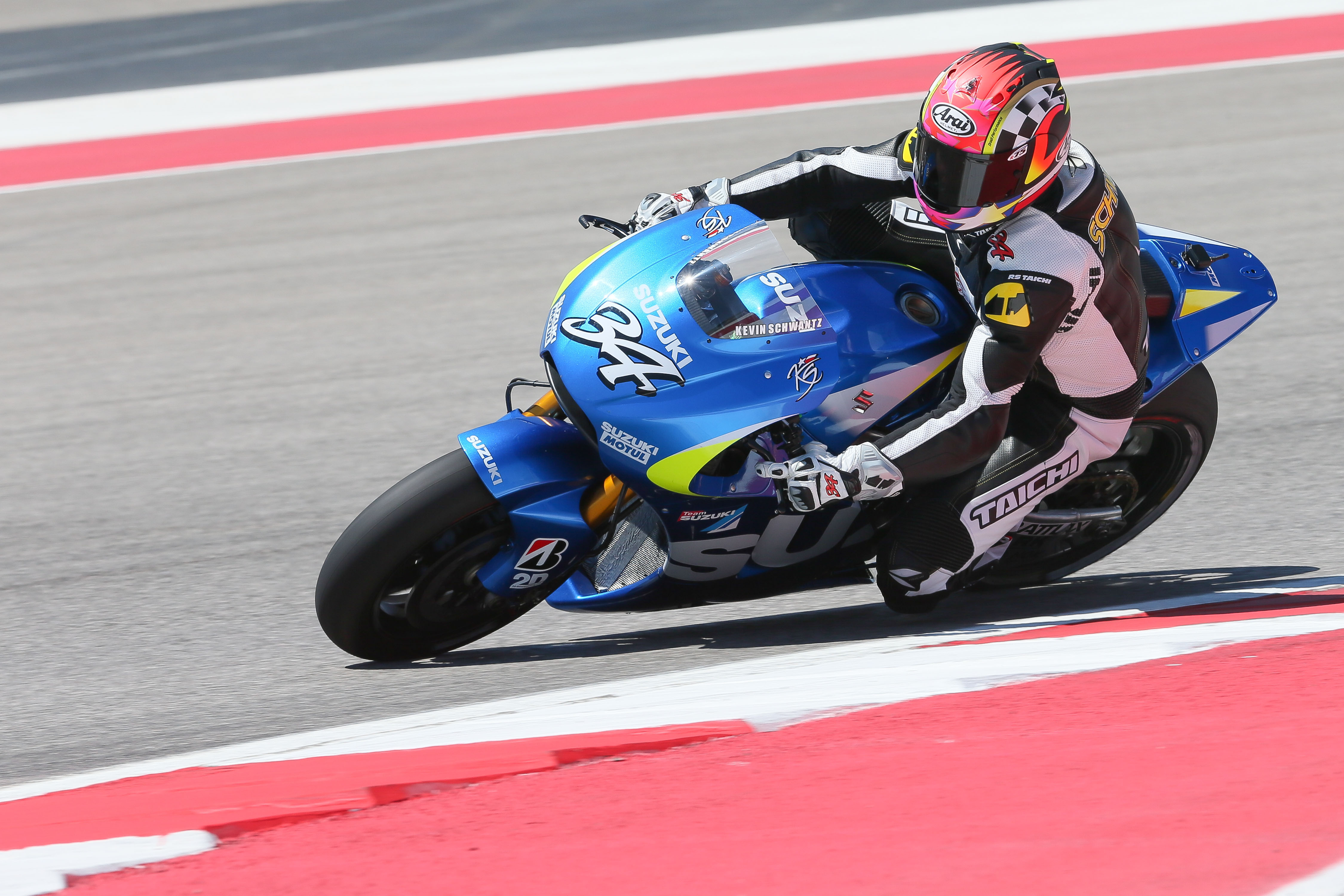 Kevin Schwantz tests Suzuki's MotoGP bike