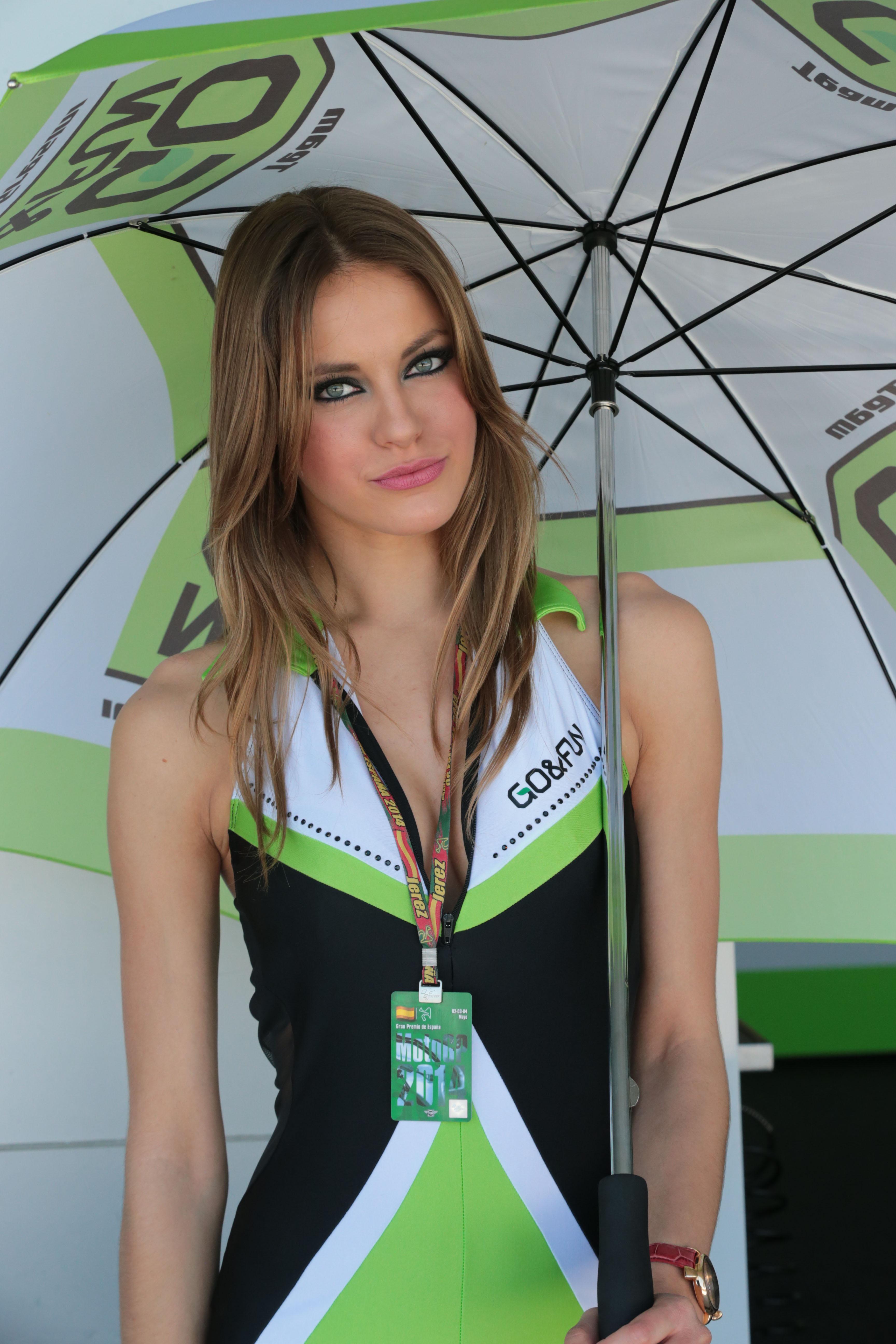 #MotoGP | Paddock girls, Grid girls, Long hair styles