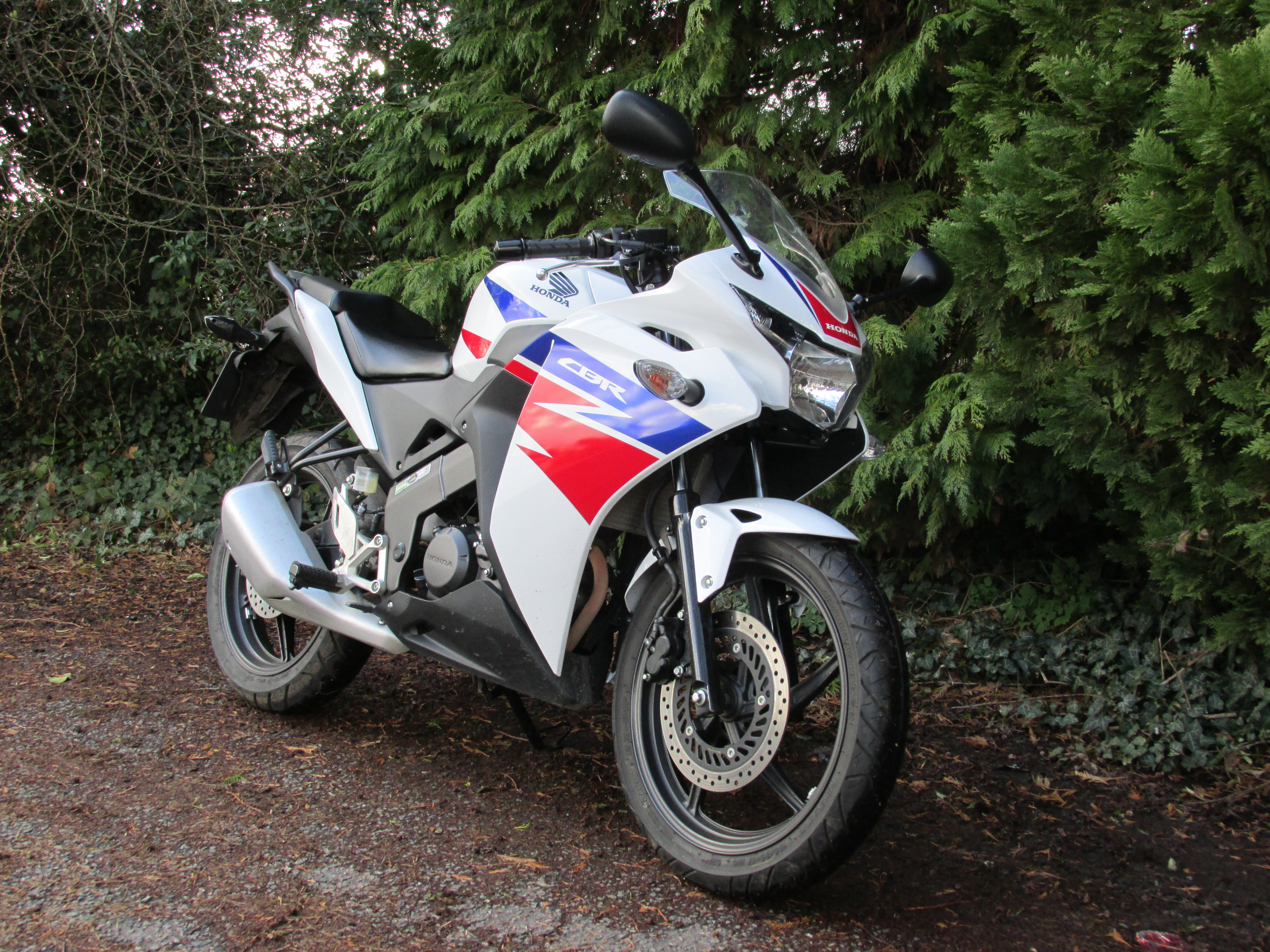 Review: One week with a Honda CBR125R | Visordown